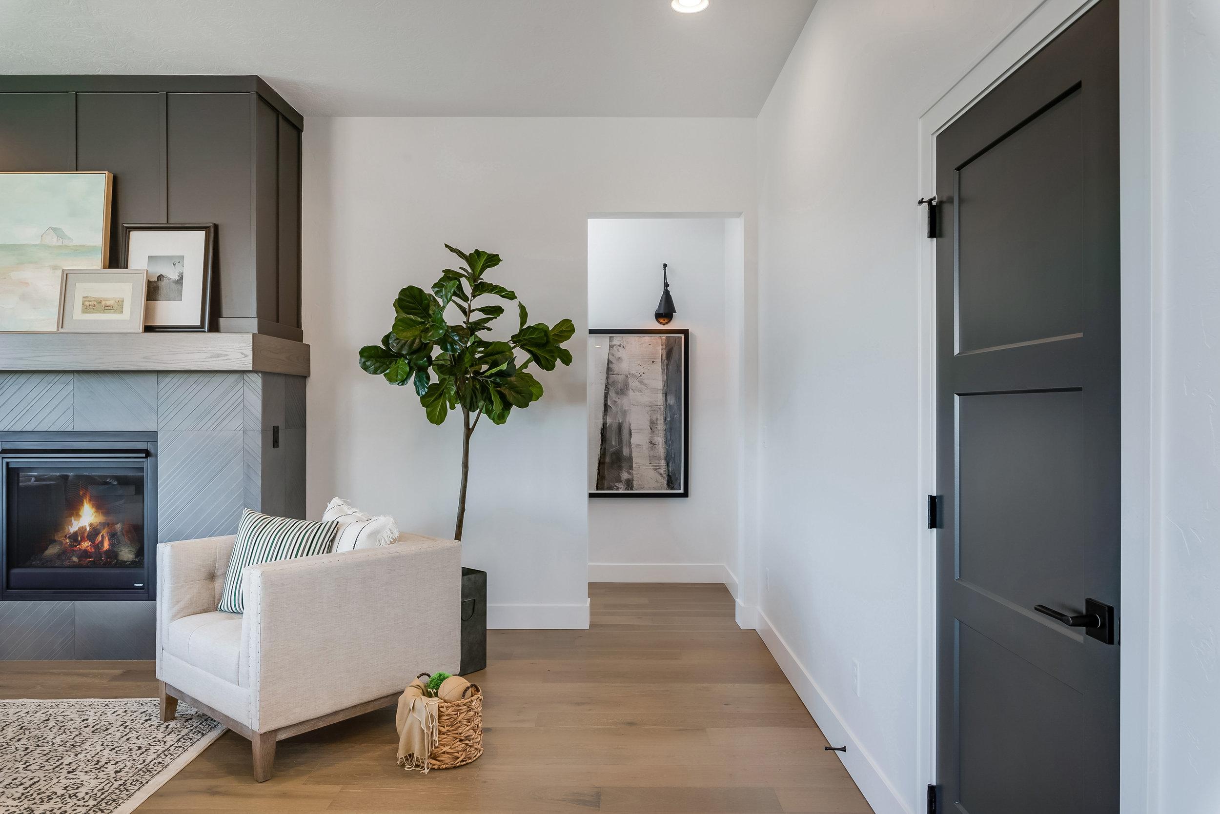 19-Living Area.jpg