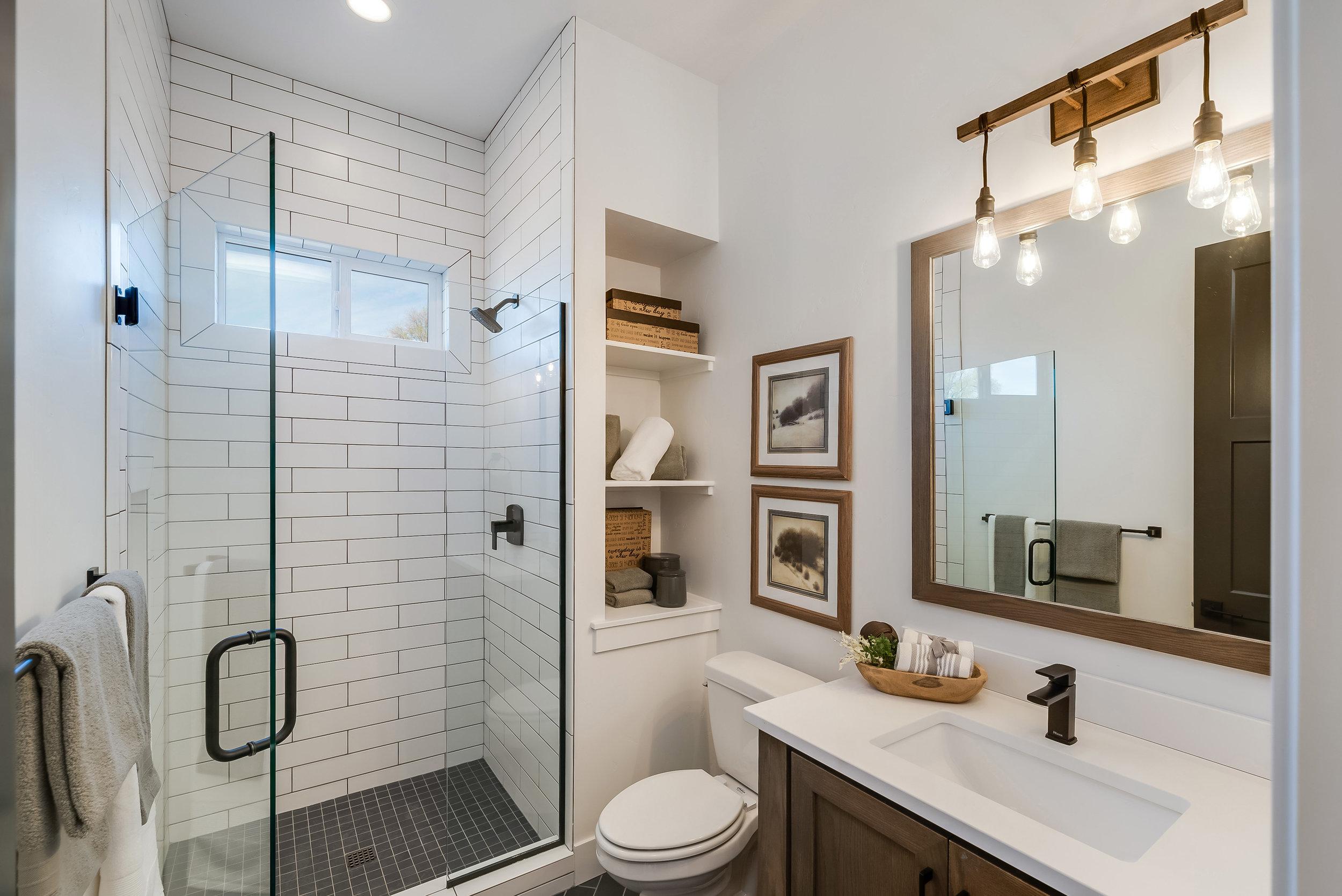 30-Bathroom.jpg