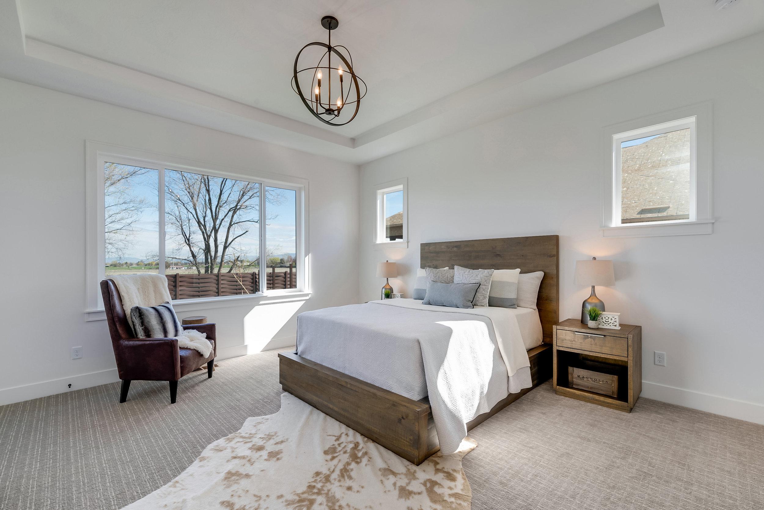 33-Master Bedroom.jpg