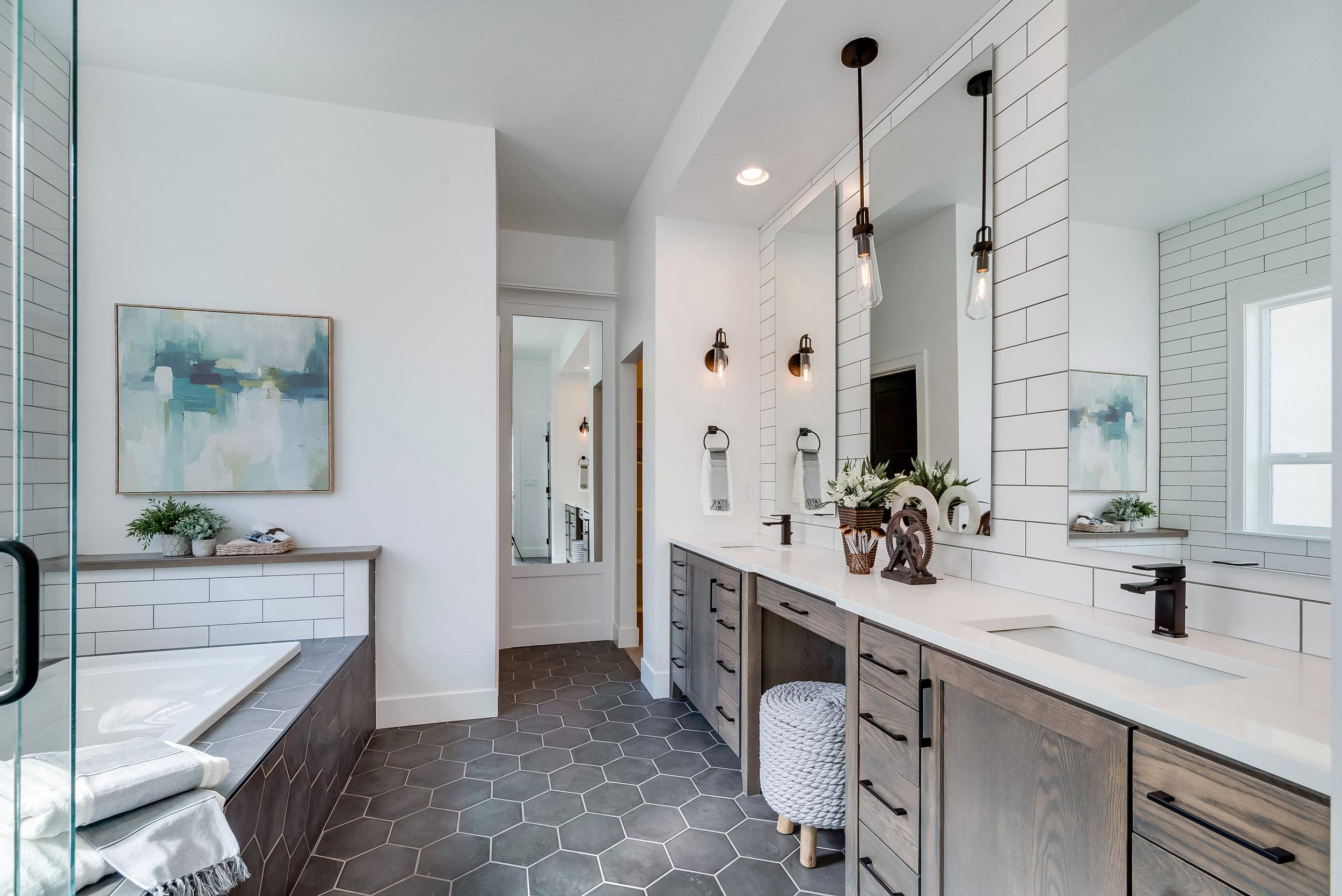 36-Master Bathroom.jpg