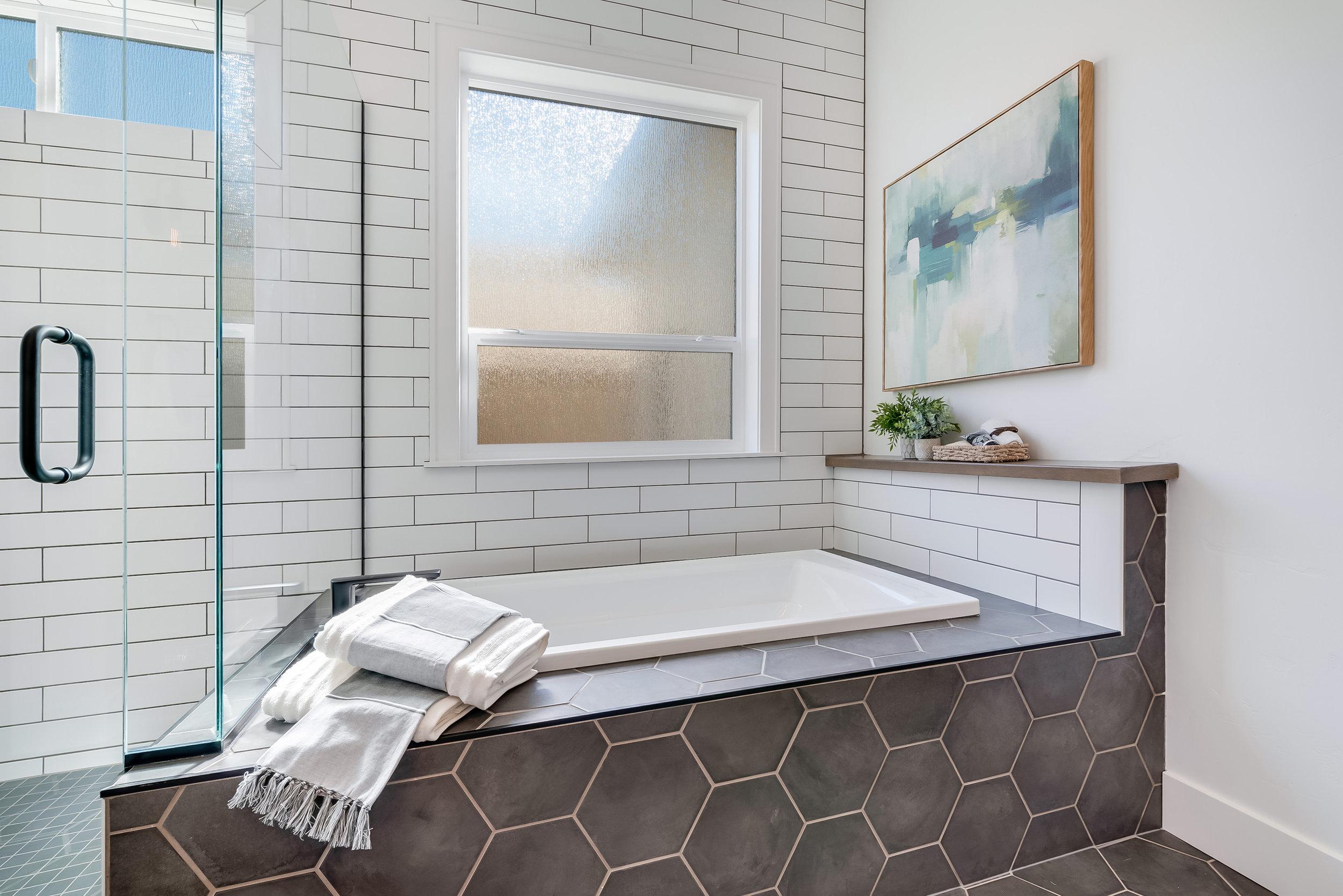 39-Master Bathroom.jpg