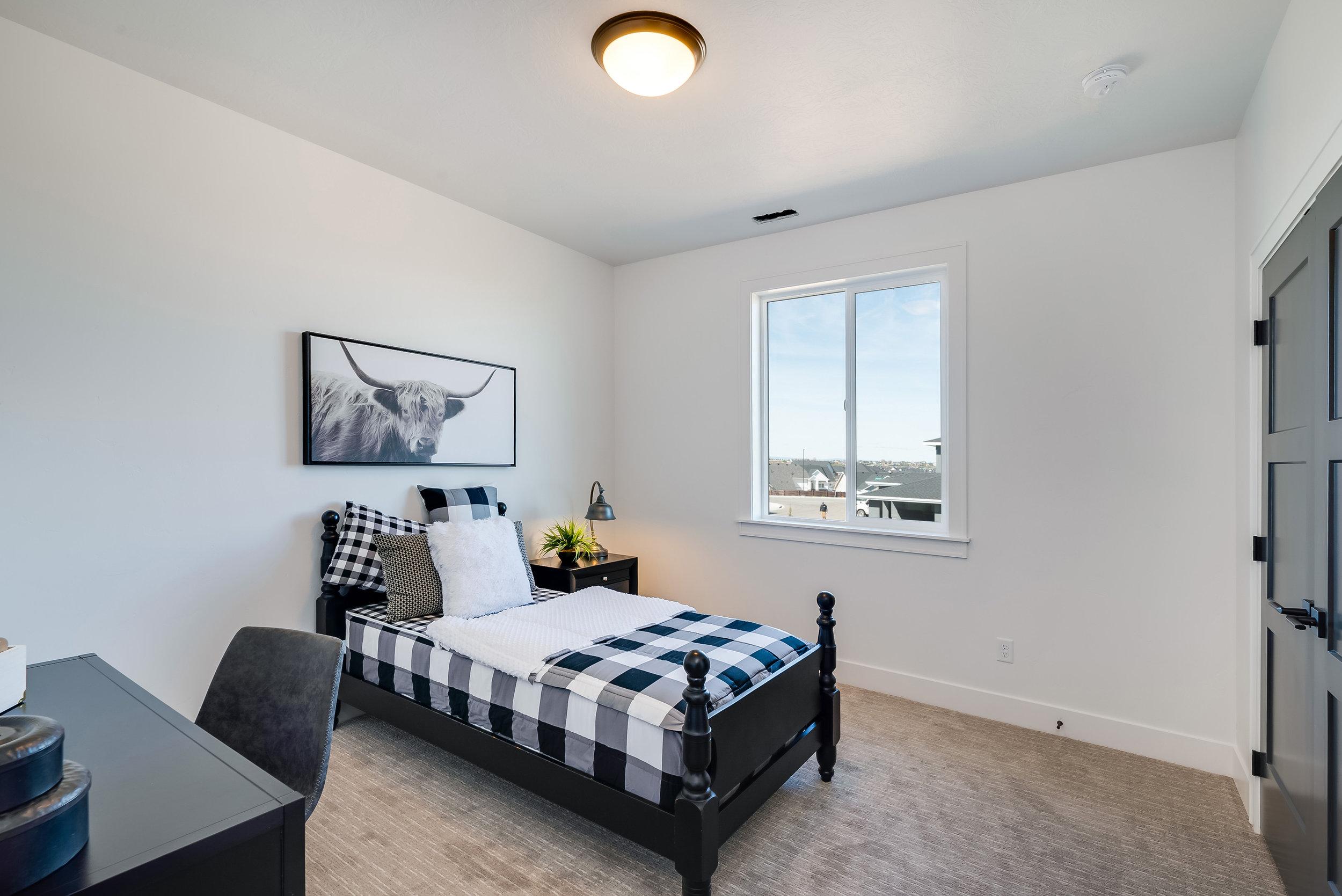 45-Bedroom.jpg
