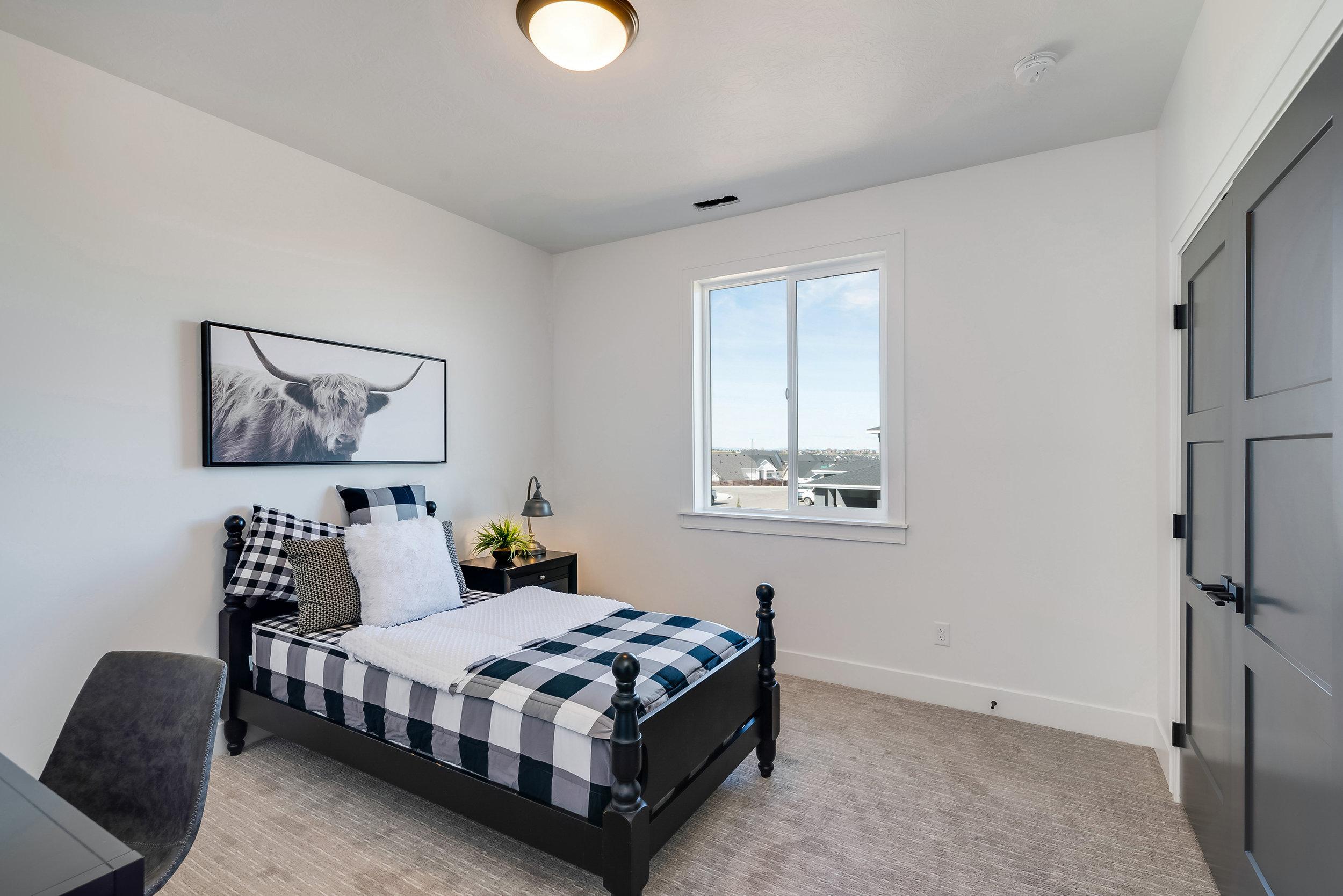 51-Bedroom.jpg