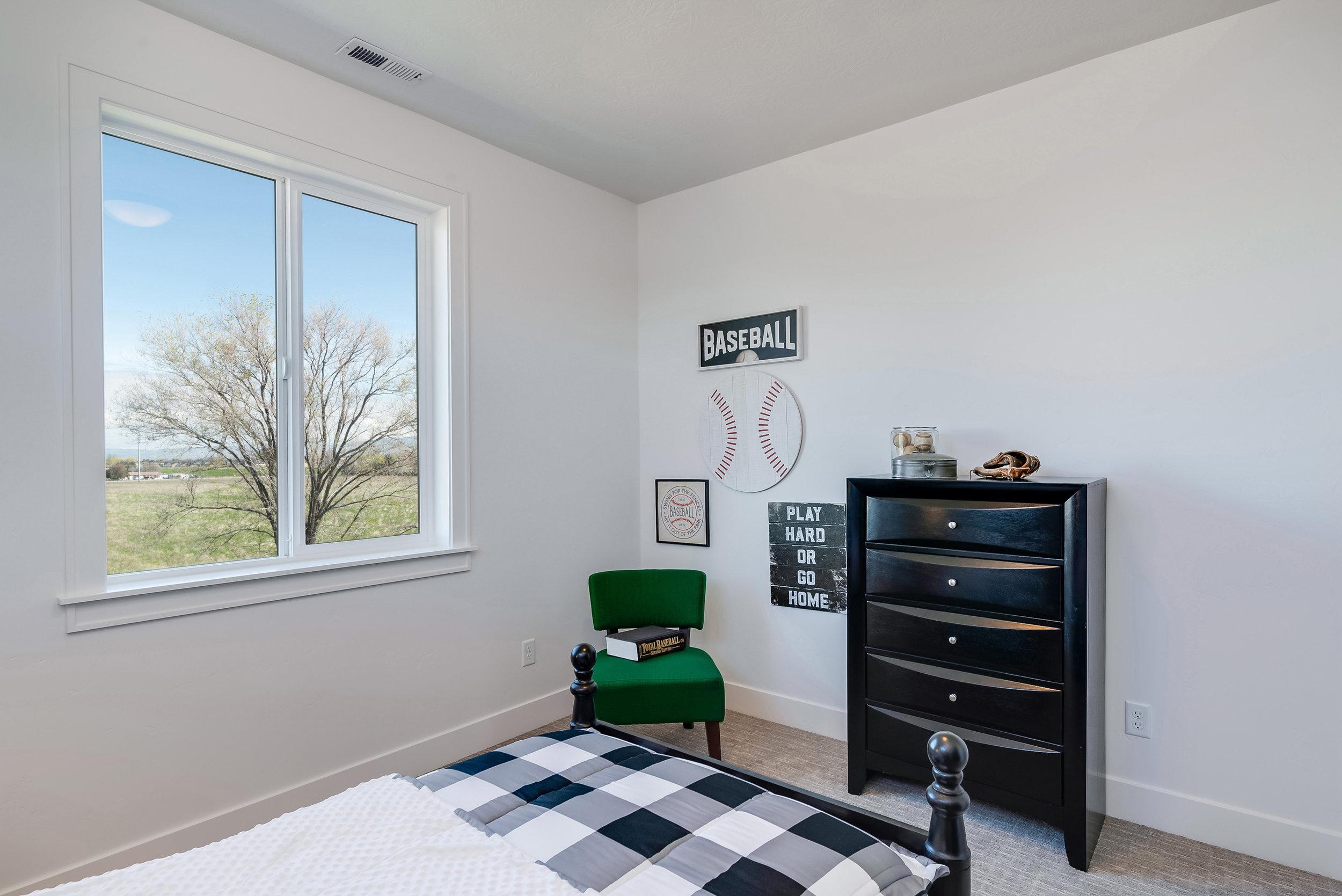 52-Bedroom.jpg