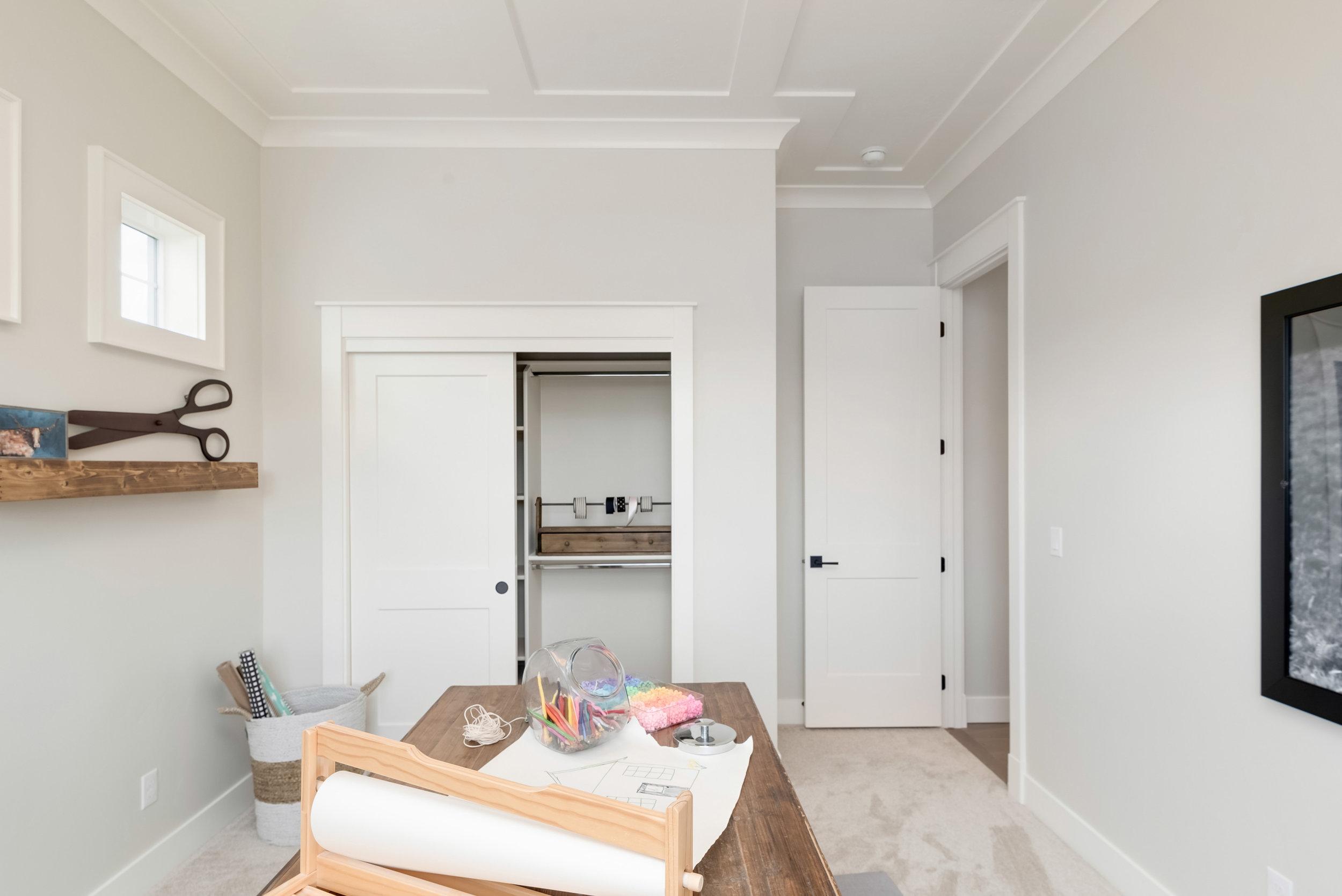 32-Bedroom.jpg
