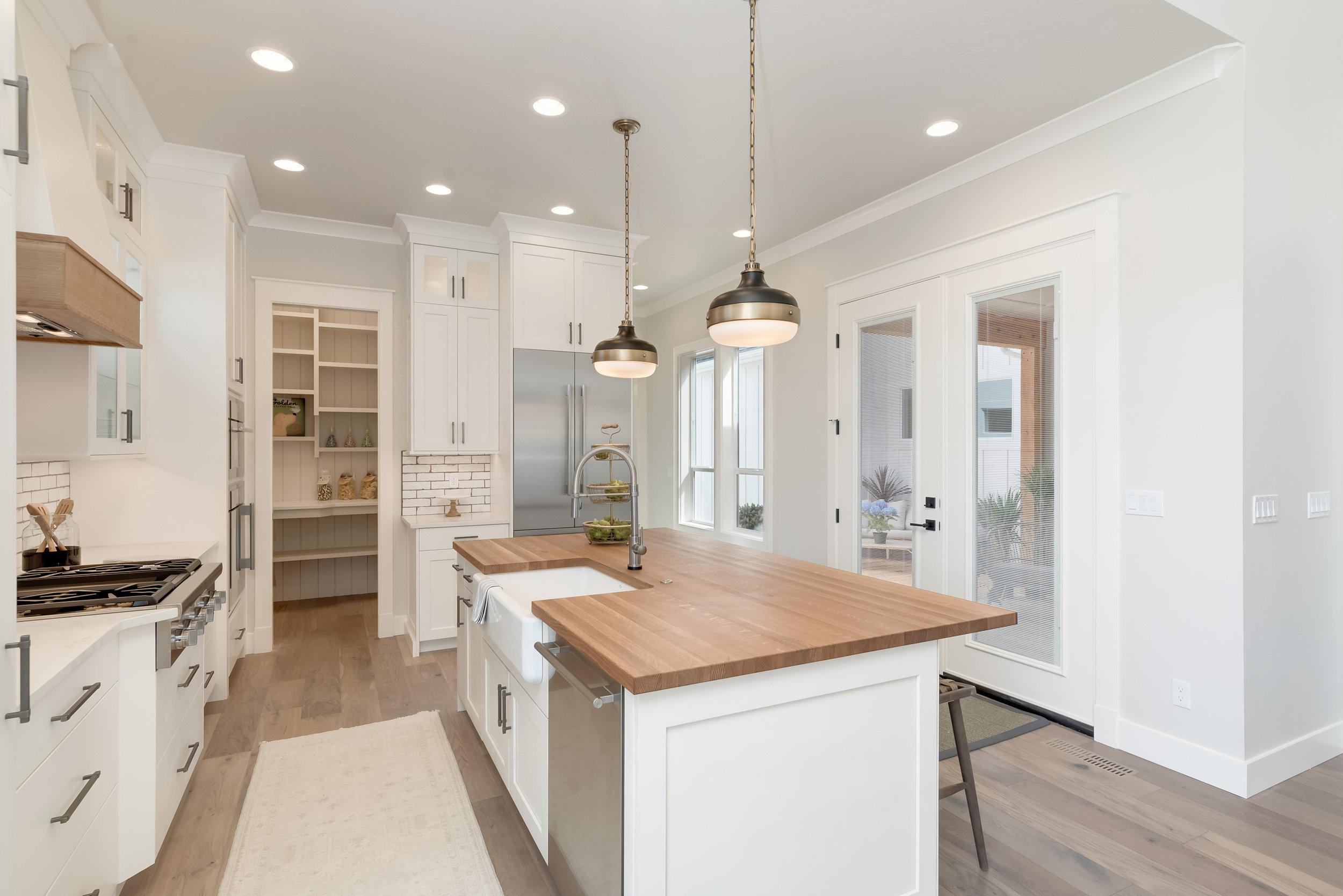 45-Kitchen.jpg