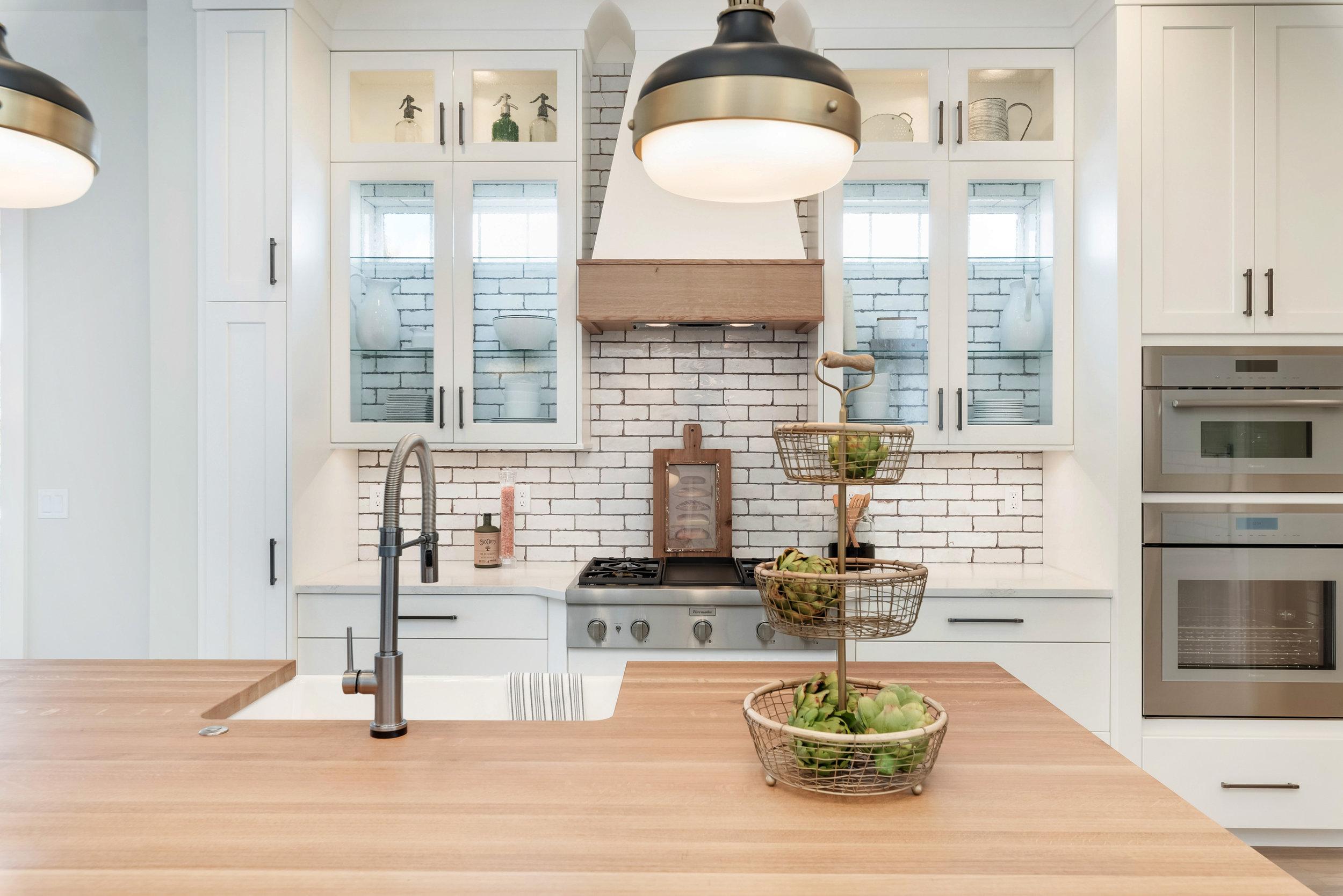 48-Kitchen.jpg