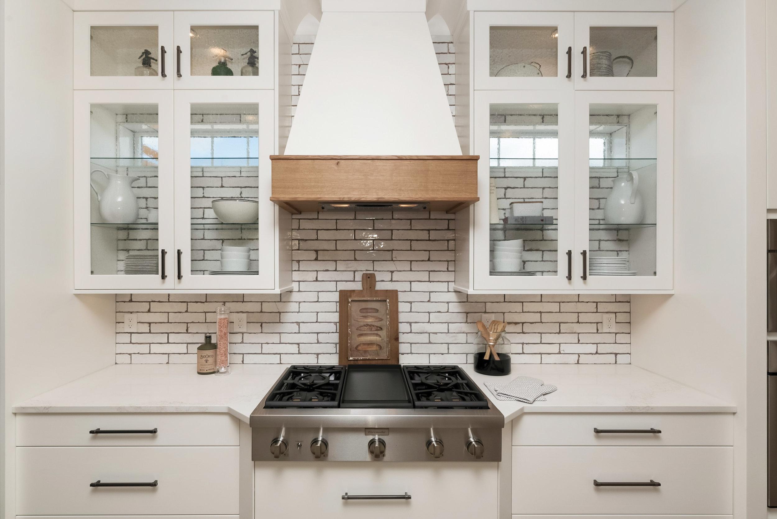 49-Kitchen.jpg