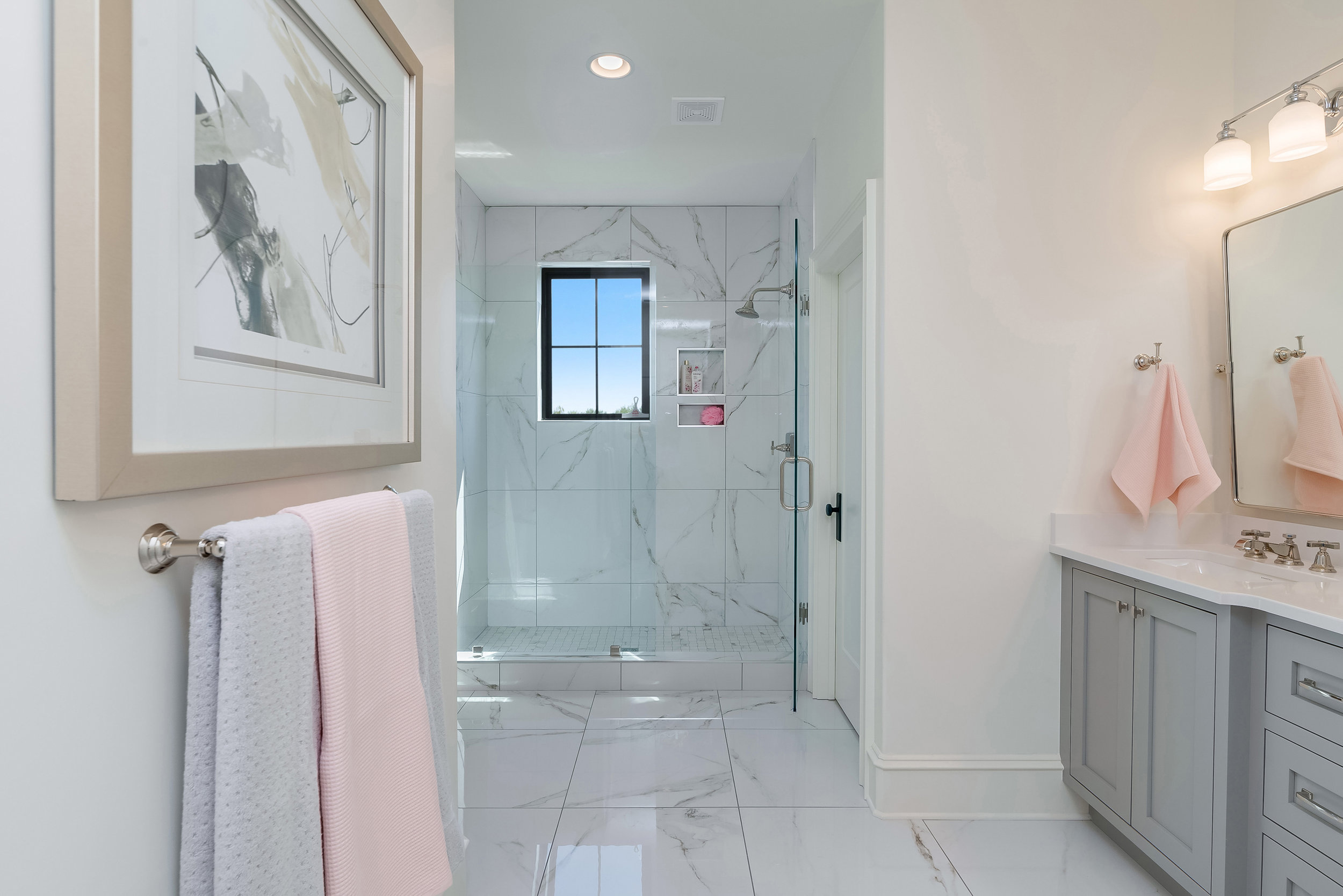 19-Bathroom.jpg