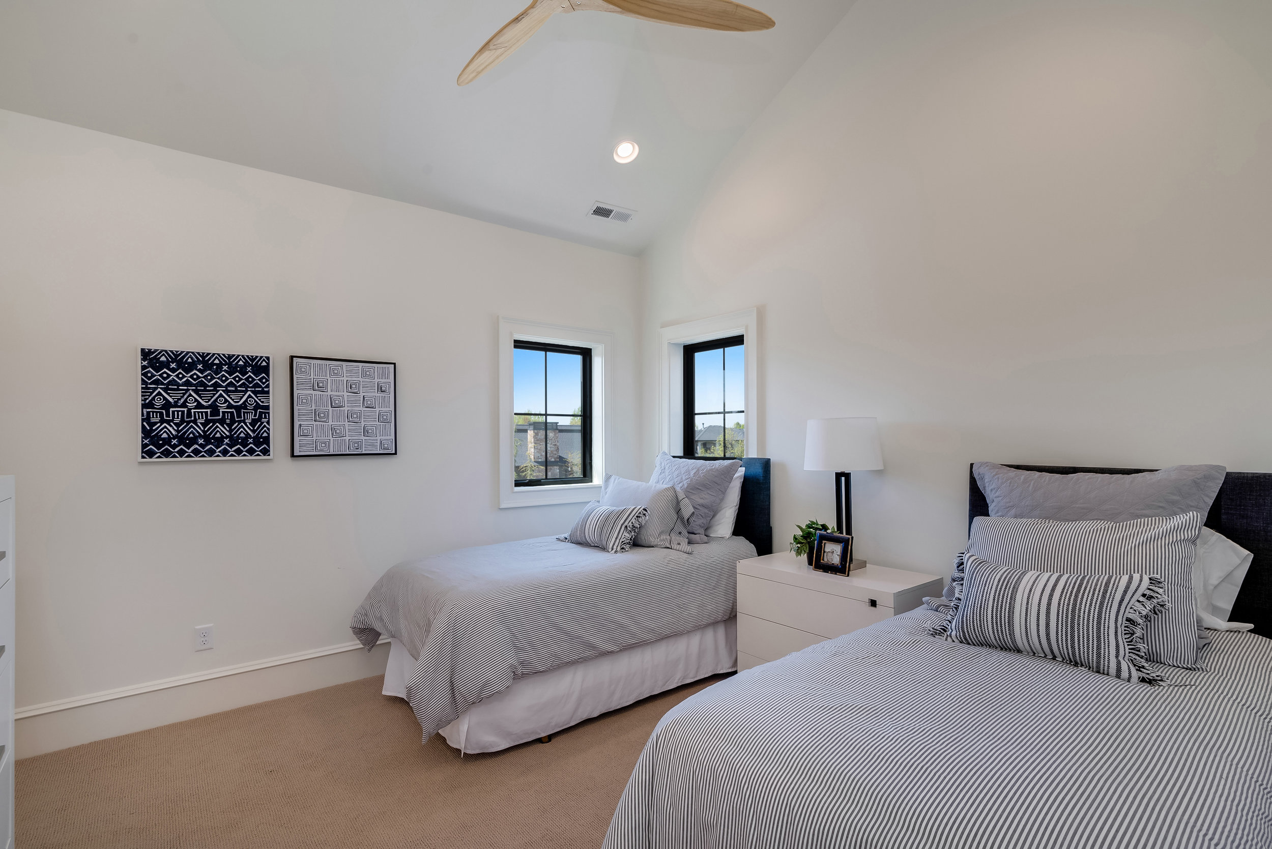 24-Bedroom.jpg