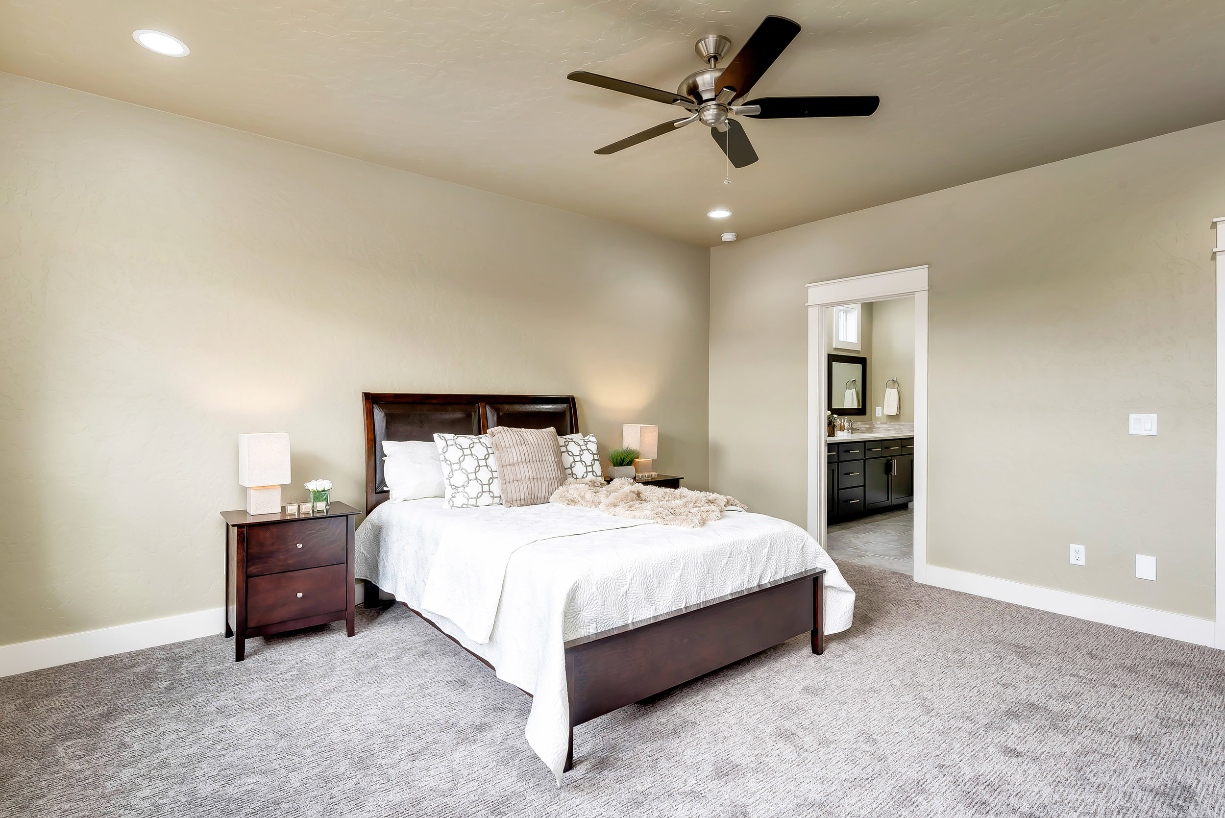 22-Master_Bedroom(1).jpg