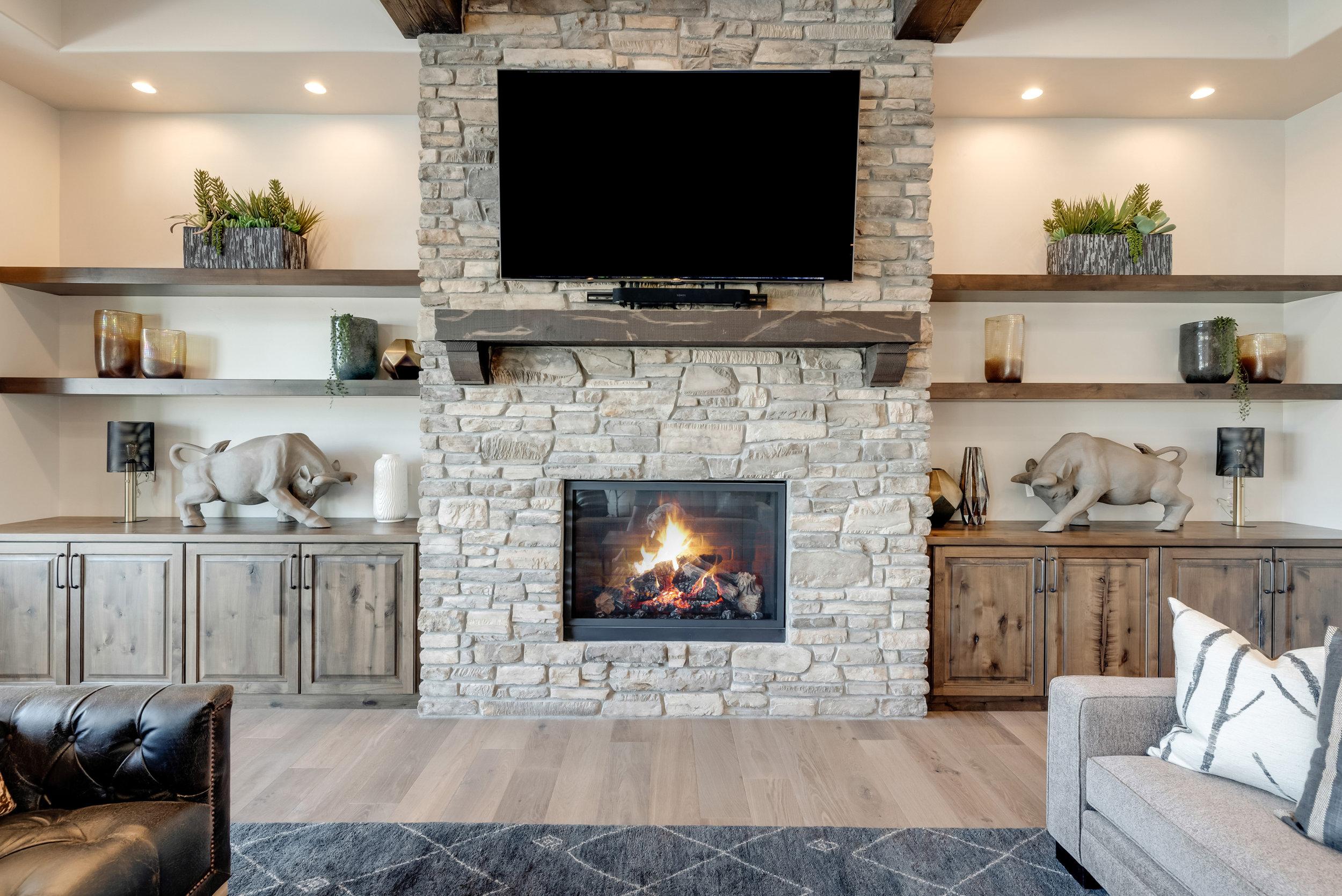 16-Fireplace.jpg