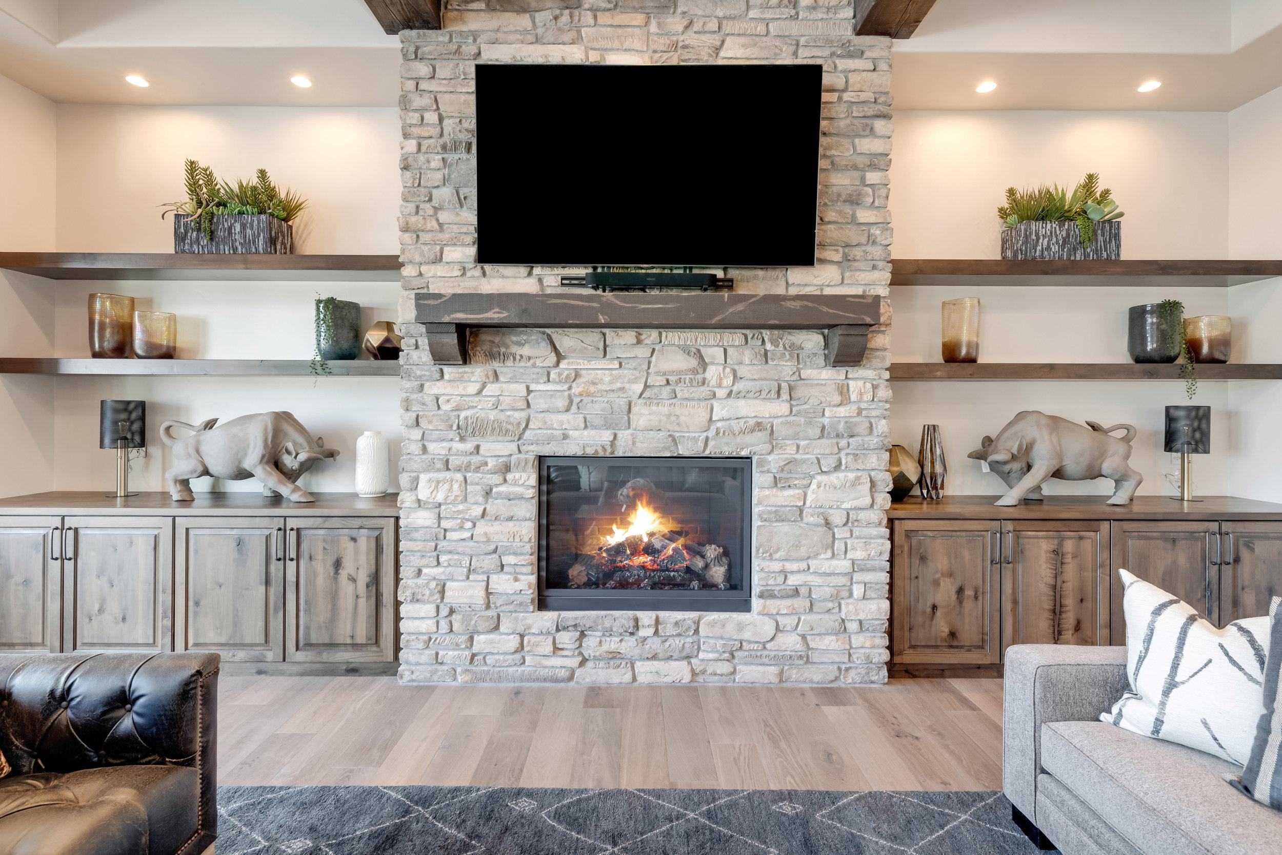 17-Fireplace.jpg