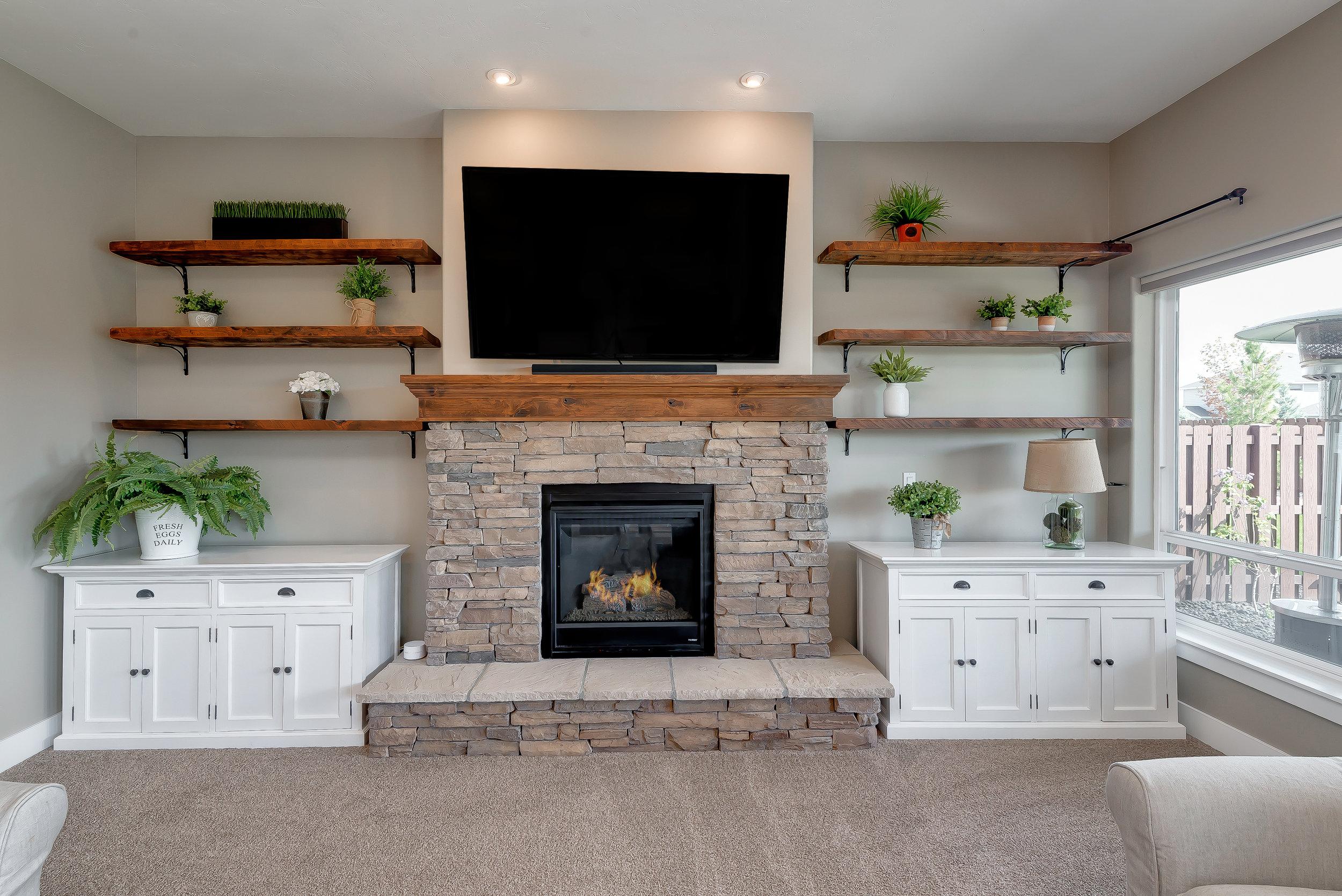 23-Fireplace.jpg
