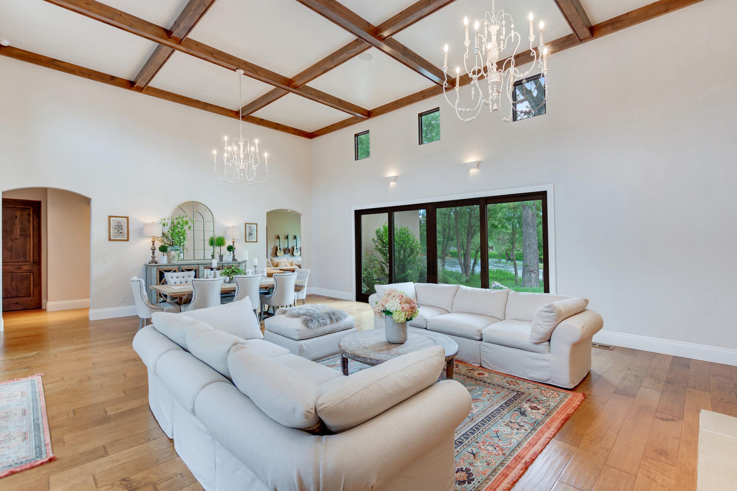 14-Great Room.jpg