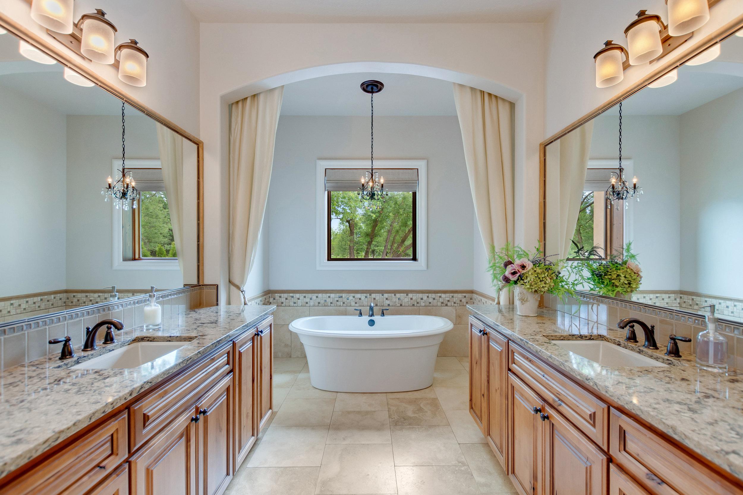 54-Master Bathroom.jpg