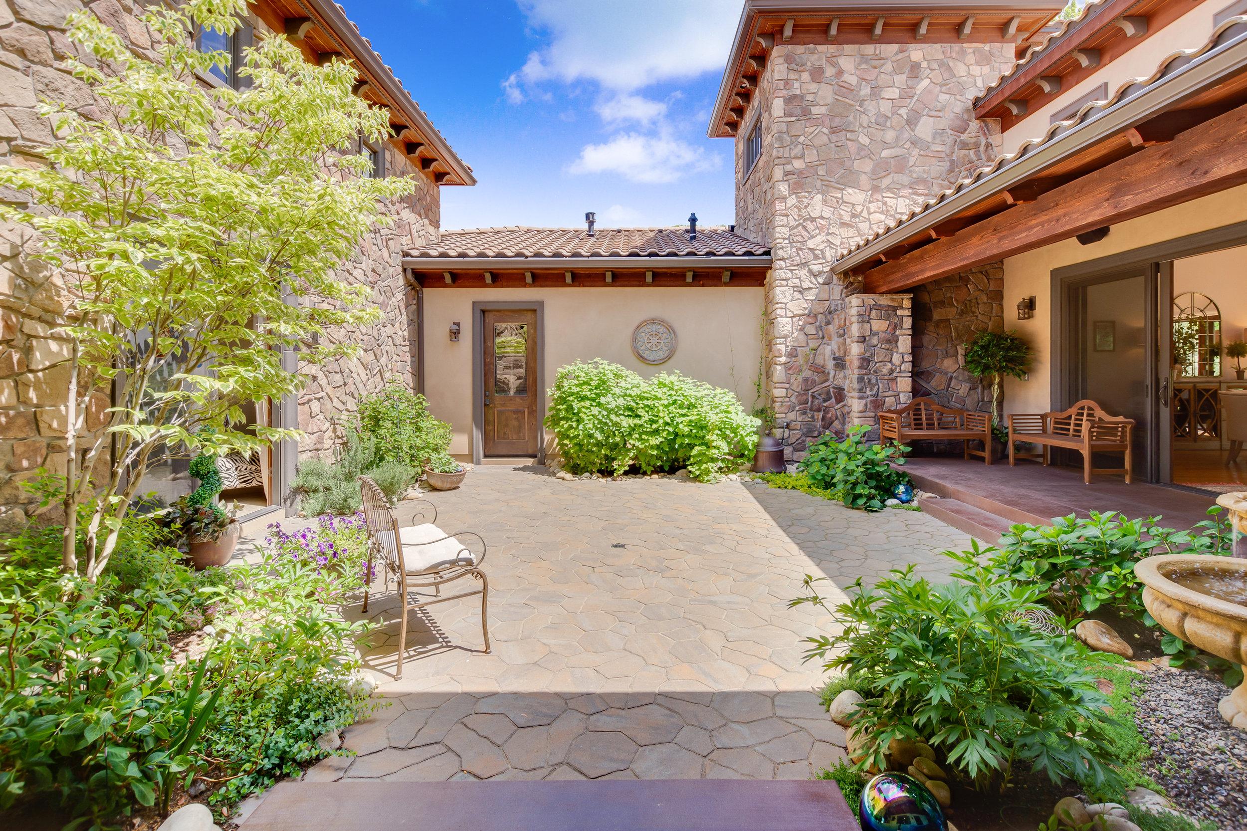 74-Courtyard.jpg