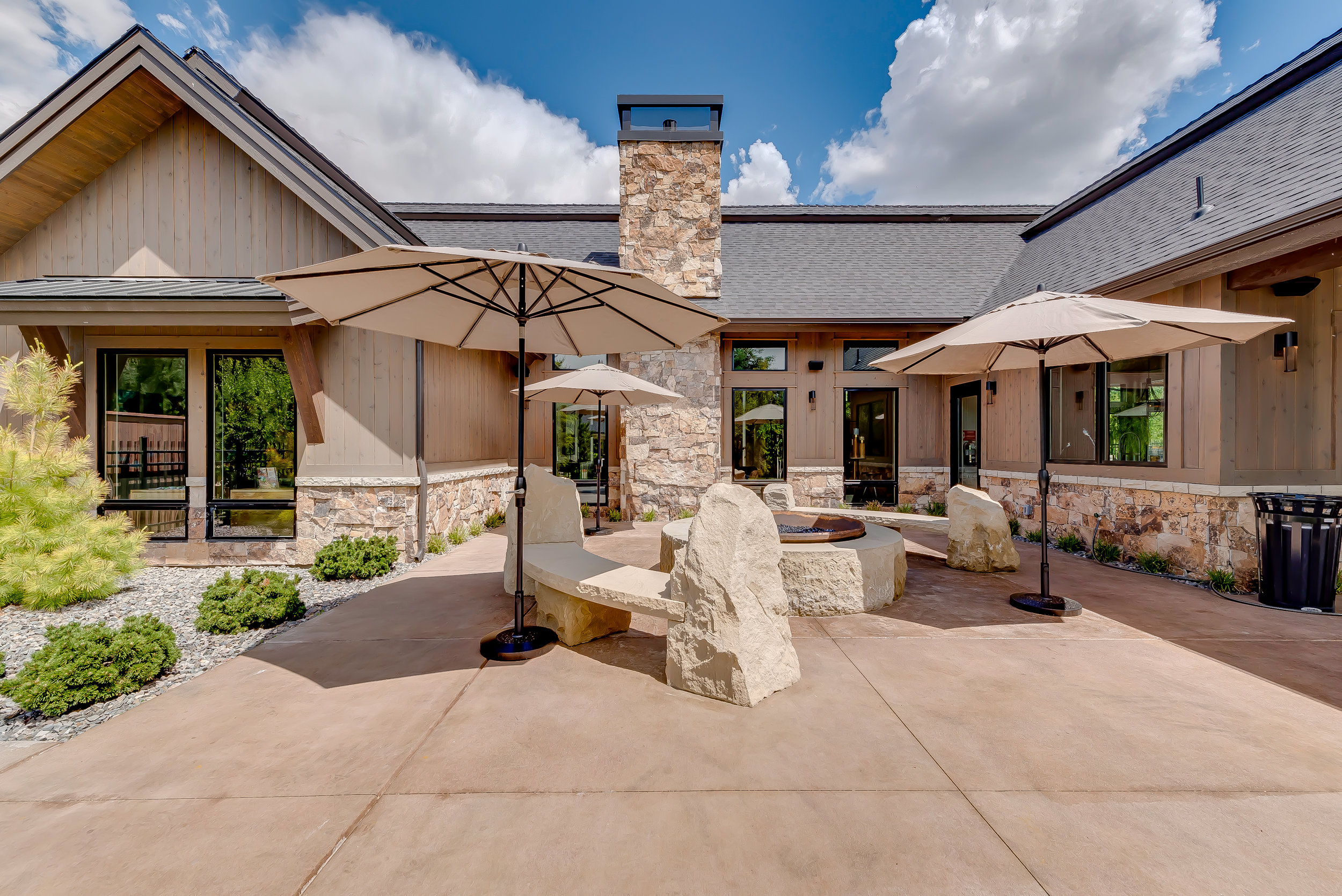17-Williamson River Ranch Clubhouse.jpg