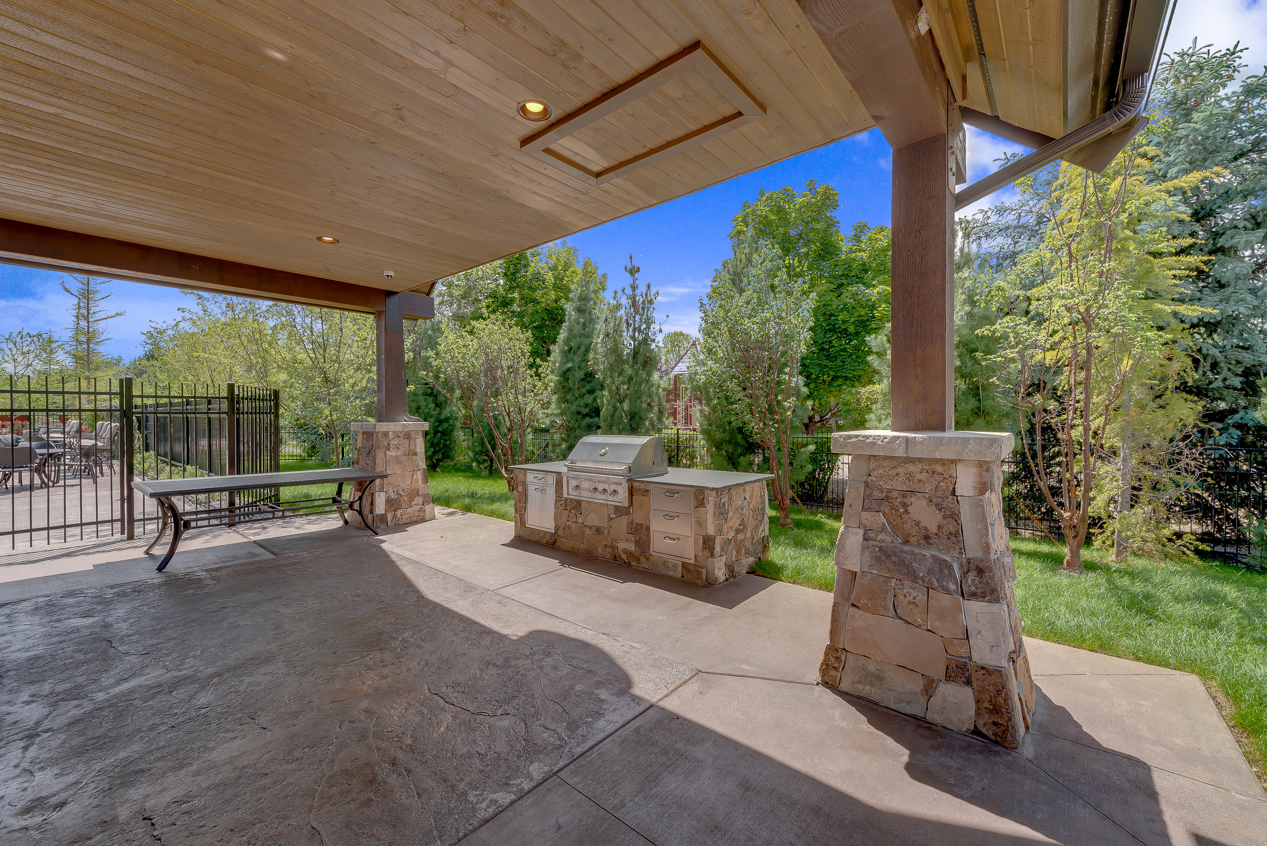 19-Williamson River Ranch Clubhouse.jpg