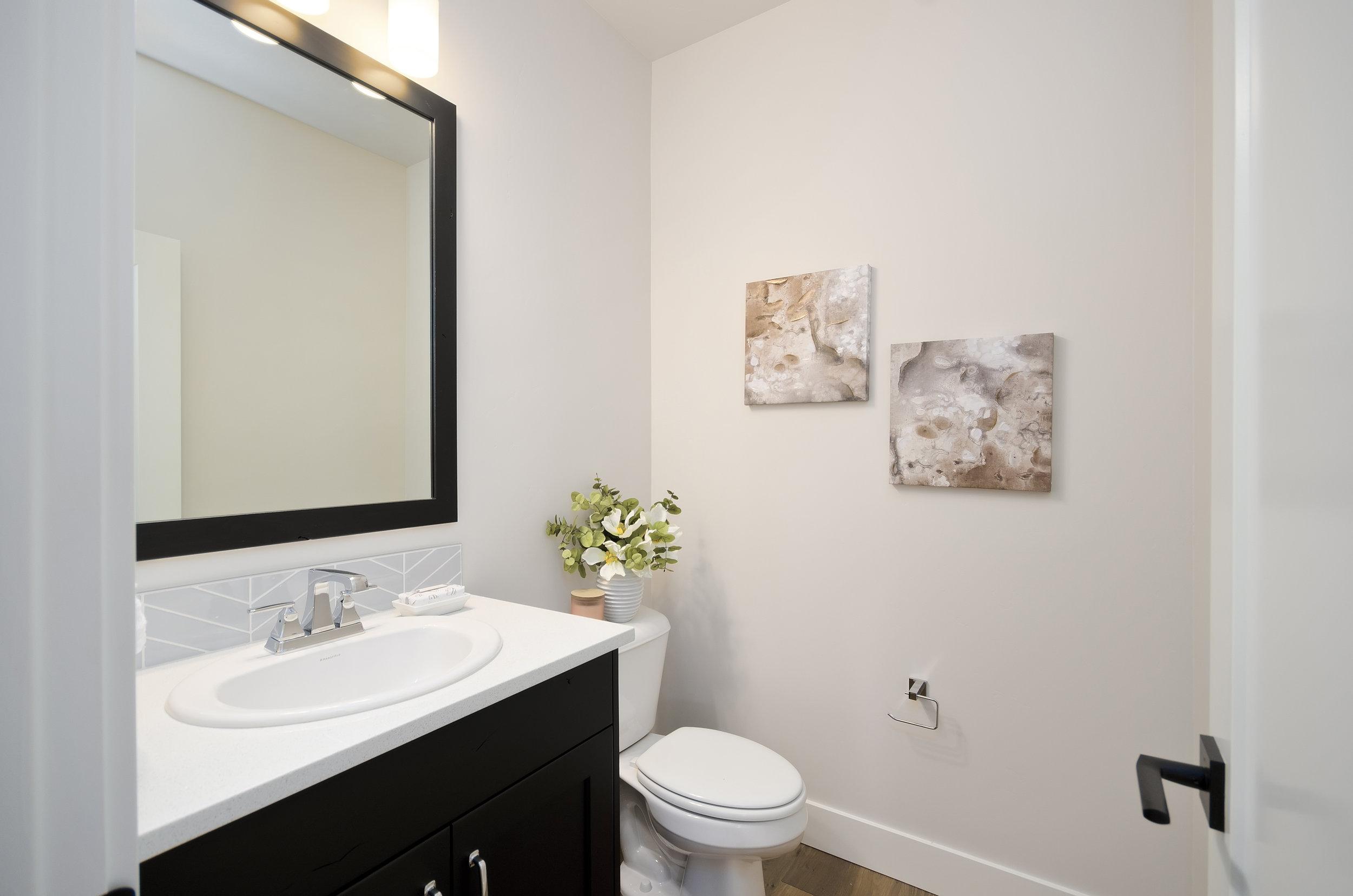 07-Bathroom.jpg