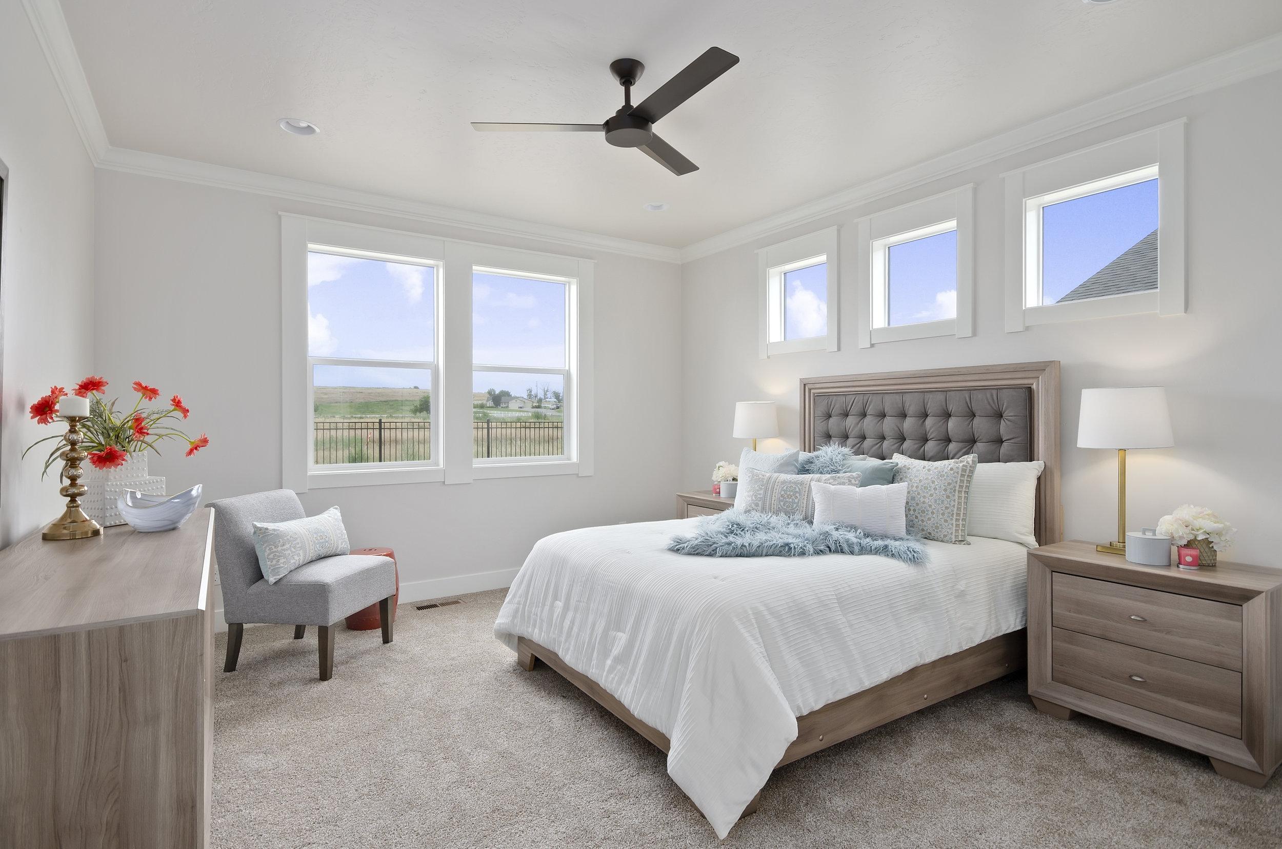 25-Master Bedroom.jpg