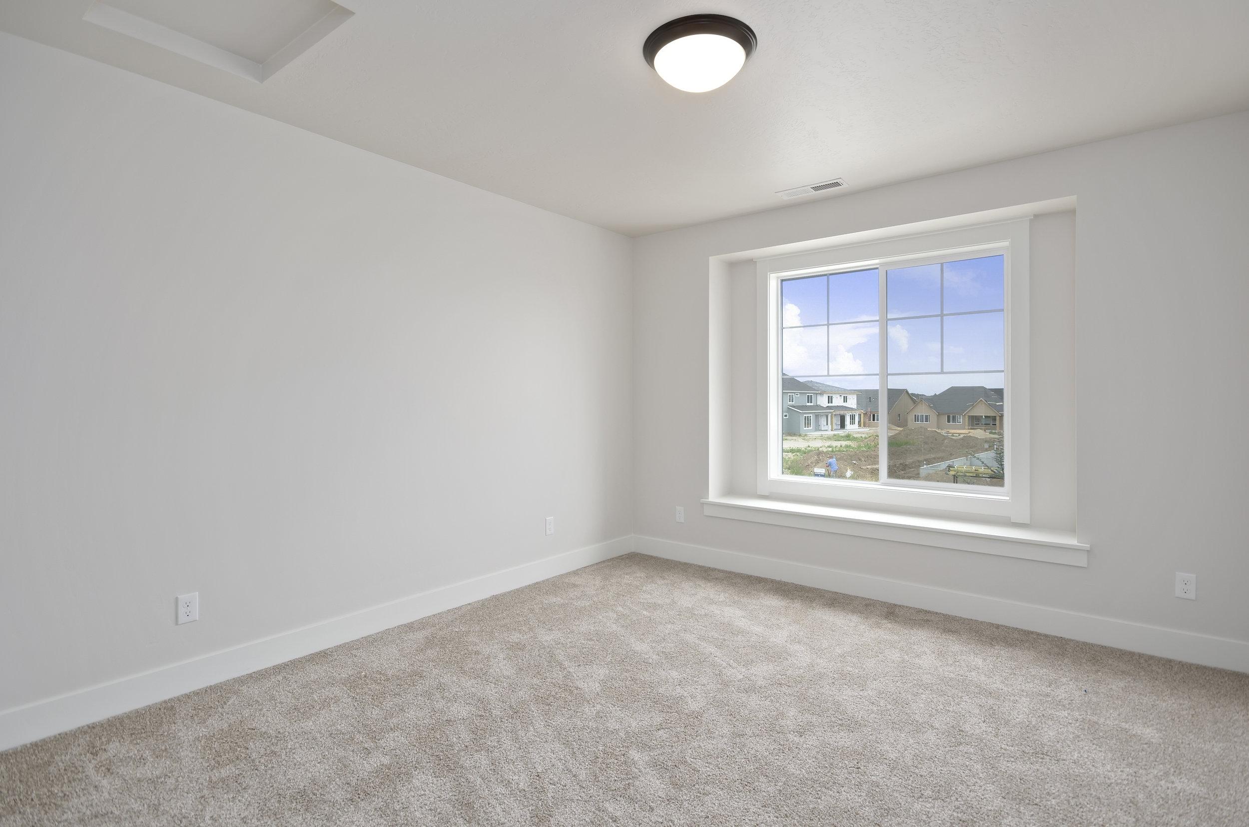 33-Bedroom.jpg