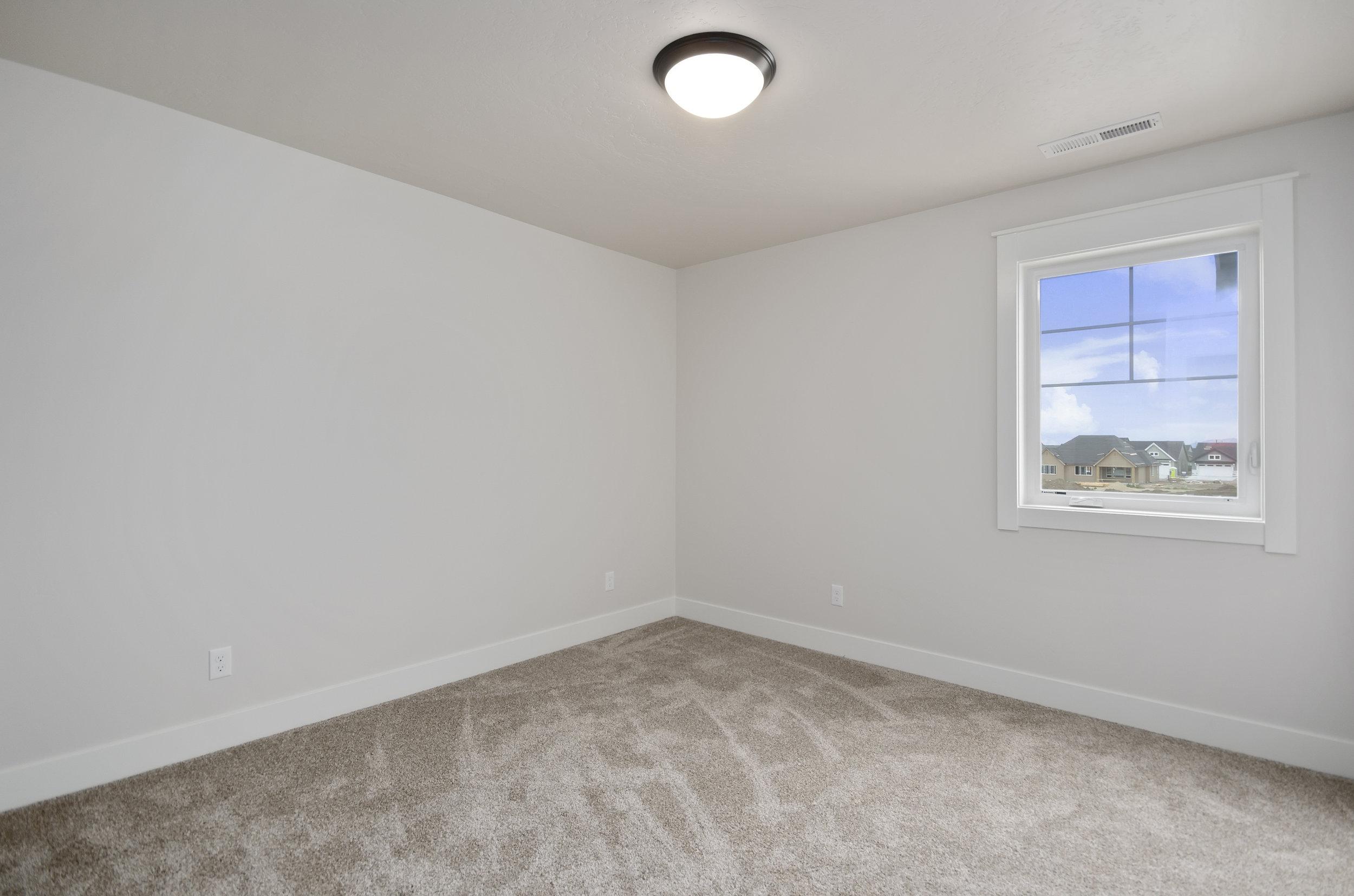 35-Bedroom.jpg