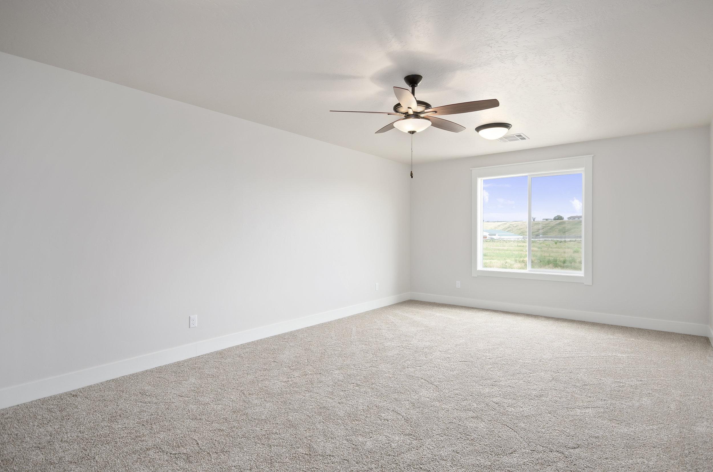 39-Bedroom.jpg