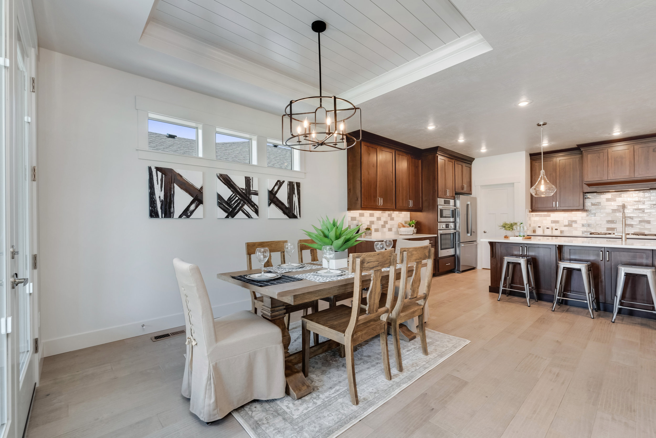 13-Dining and Kitchen.jpg