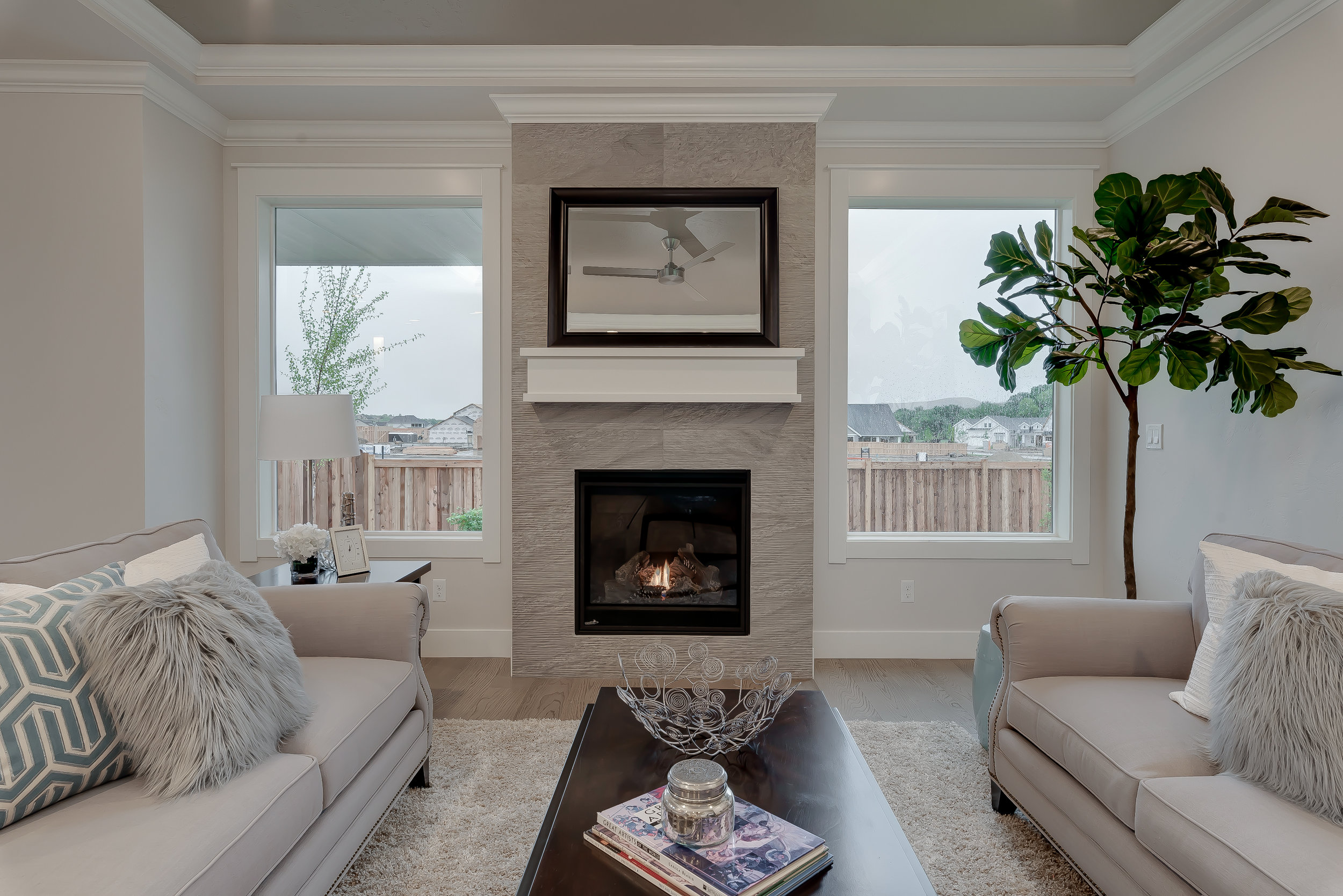 24-Fireplace.jpg