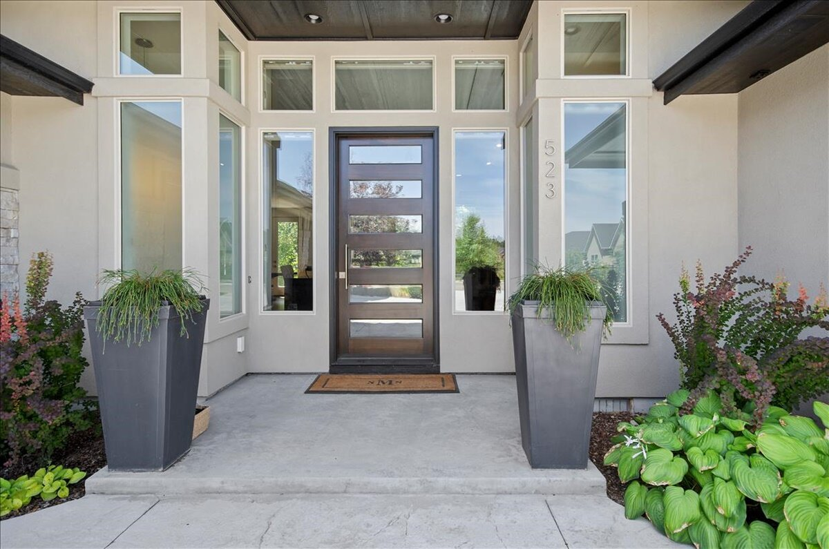 04-Exterior Front Entry.jpg