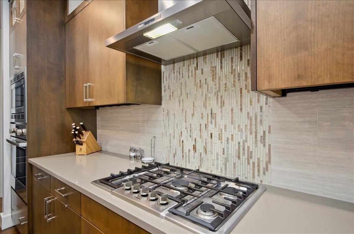 17-Kitchen.jpg