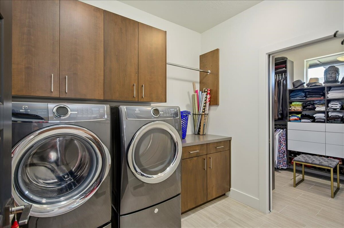 37-Laundry Room.jpg