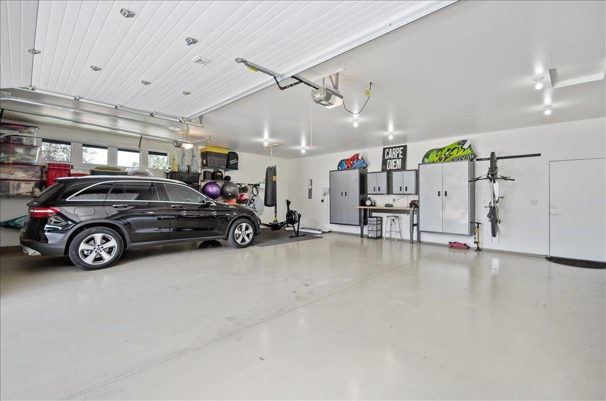38-Garage.jpg