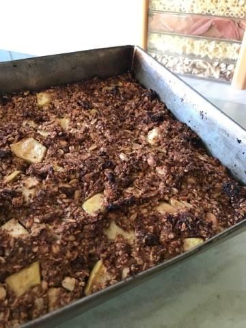 Ginger Nut & Apple Granola Bars