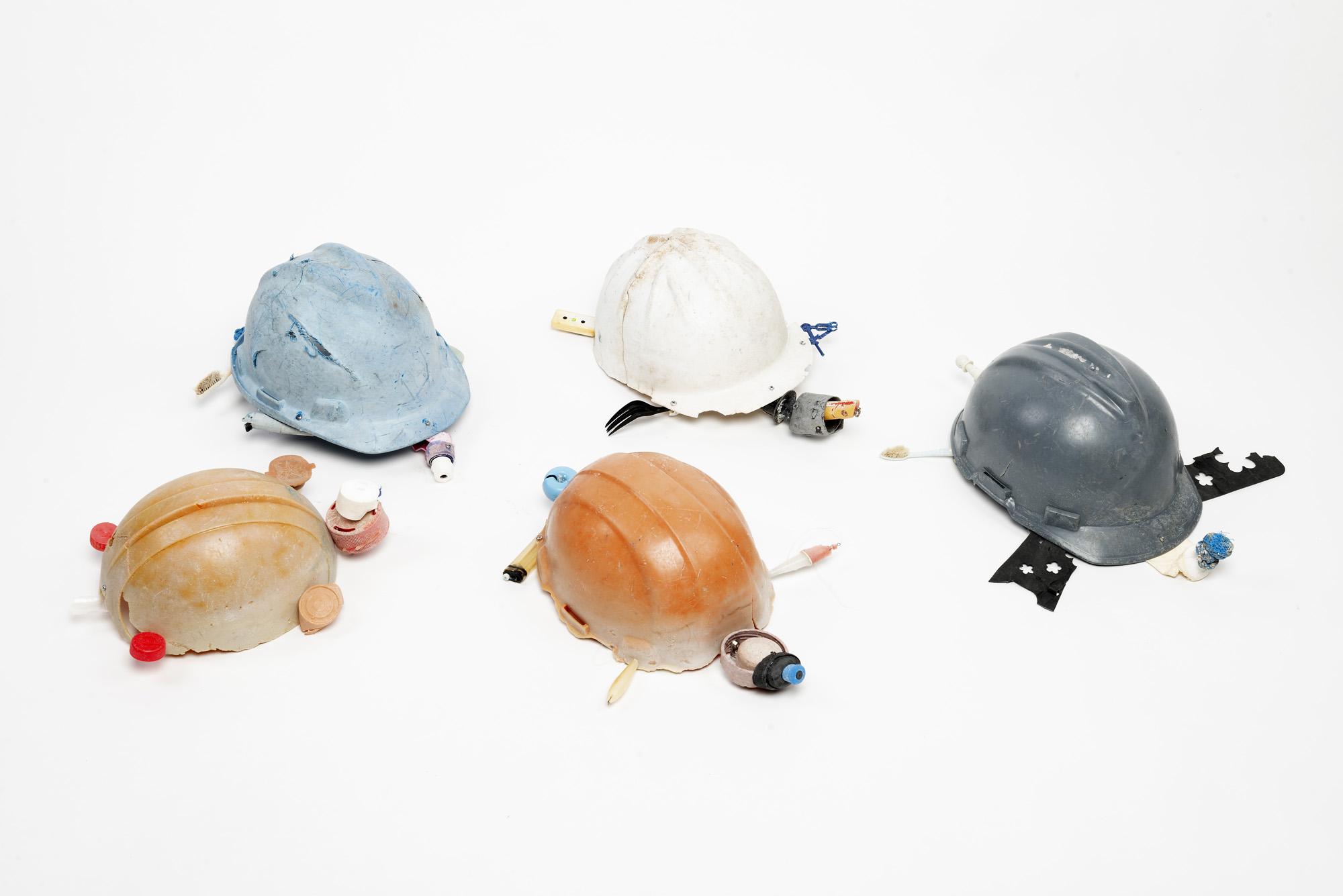 Plasticene Hatchlings 20 x 20 x 40 cm 2018