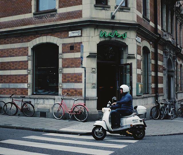 Måndag, lunchöppet mellan 11.30-14.00 #restaurangnabo #stockholm #tegnerlunden #lunch