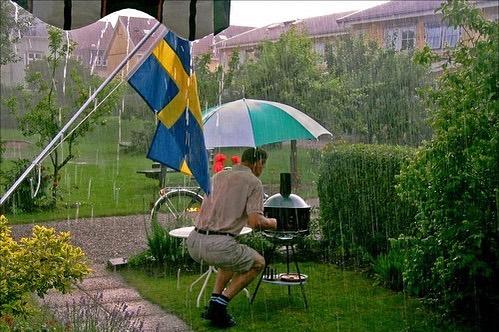 Svensk sommar börjar NU 🇸🇪🇸🇪🇸🇪 Vi premiäröppnar idag kl 16:00. Kom förbi, det blir kul. #infravärme #ingetdåligtväder