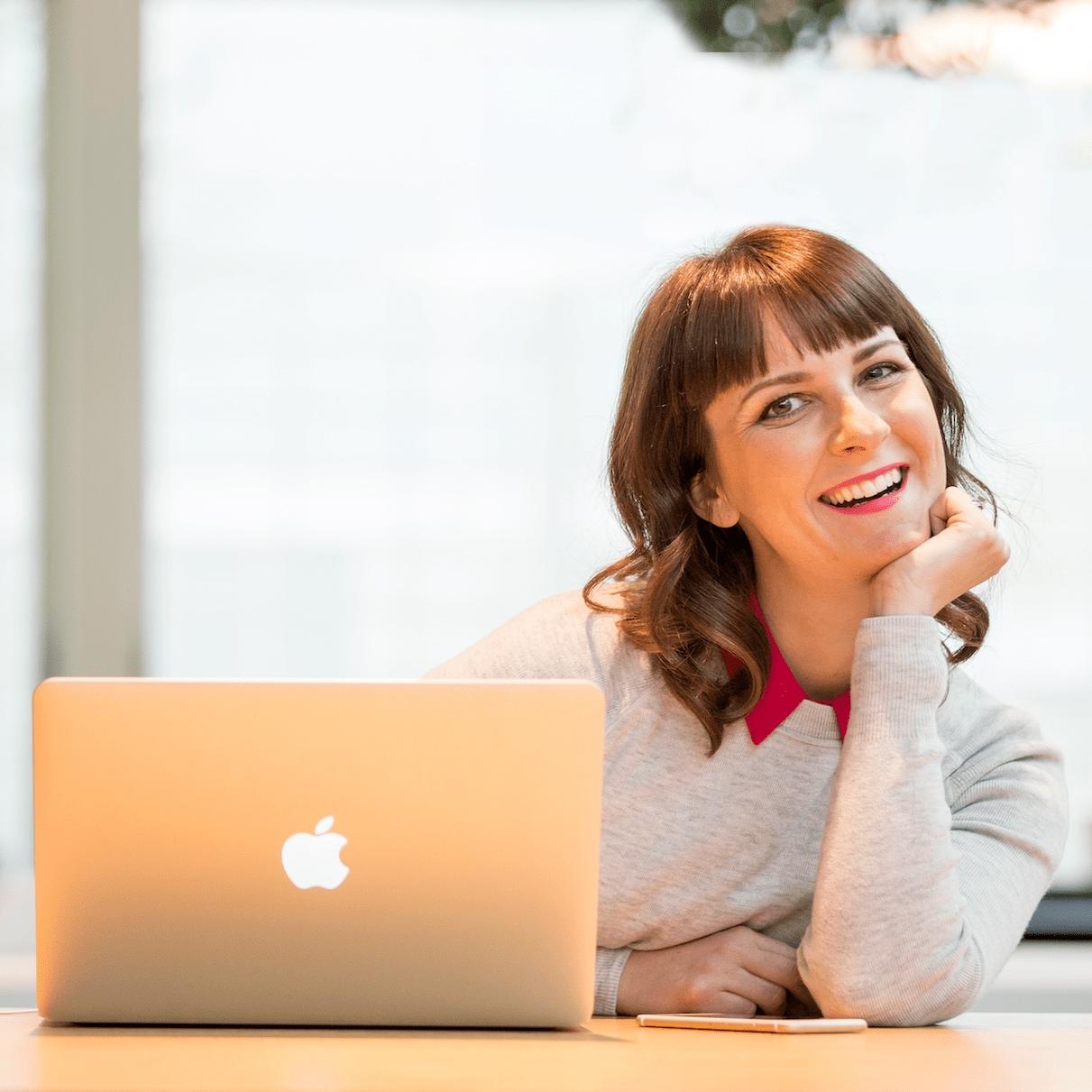 Aleisha+Desk+Lean-min.jpg