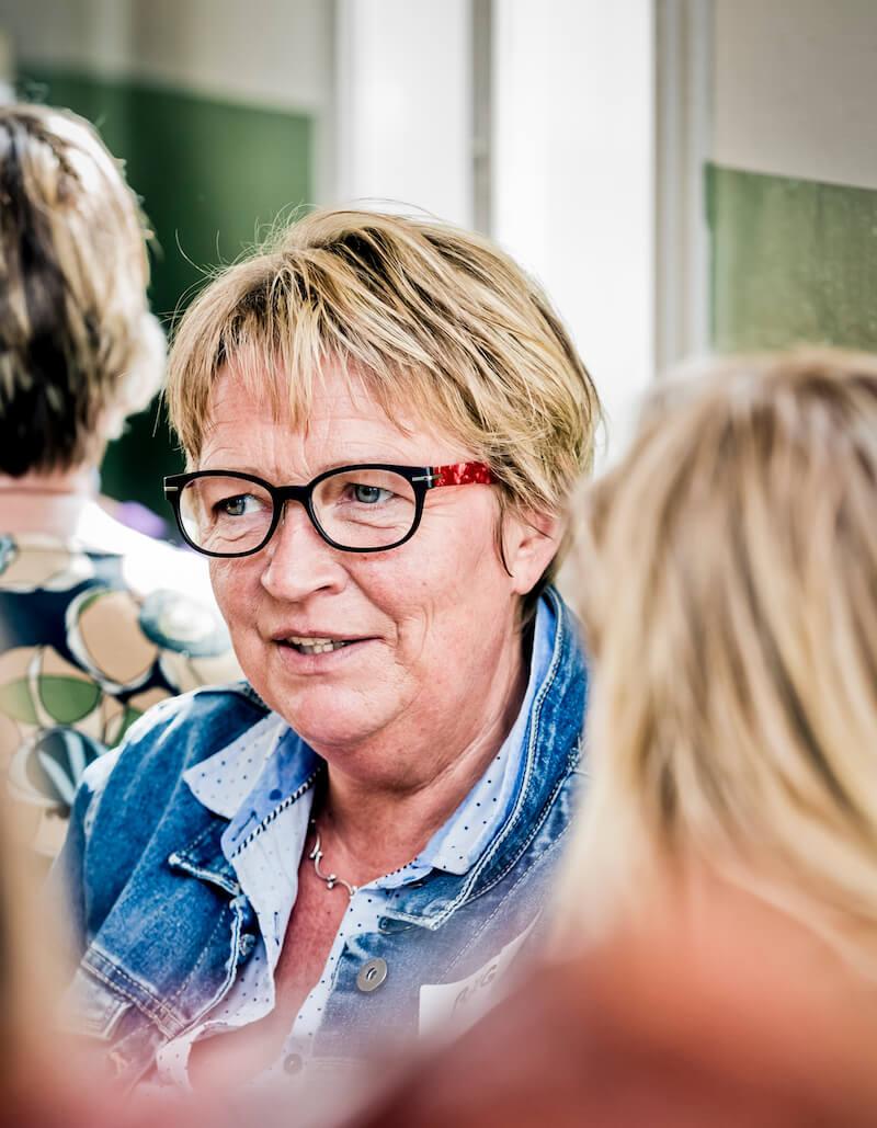 GEIR2014 Birgit ser indre billeder SKÅRET Tiny.jpg