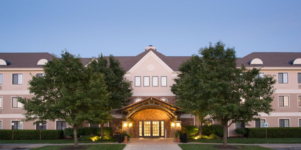 staybridge-suites-lincoln-3431225031-2x1.jpg
