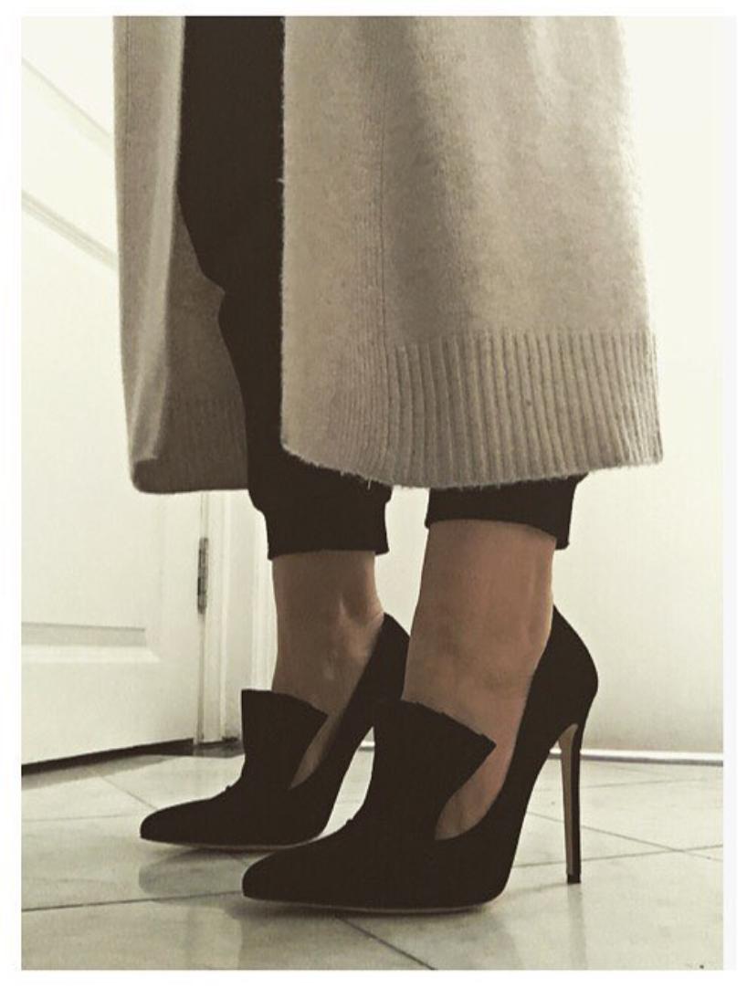 @ baharaknekessa    #Shoe  appreciation  #Friday  🖤 • #biondacastana