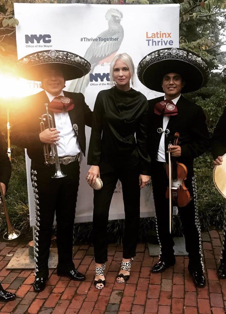 @stylelanafontana   Hispanic Heritage Month Latinx hosted by The Mayor of The City of New York Bill de Blasio😃 #fun  #nyc  #graciemansion   #art  #fallinthecity