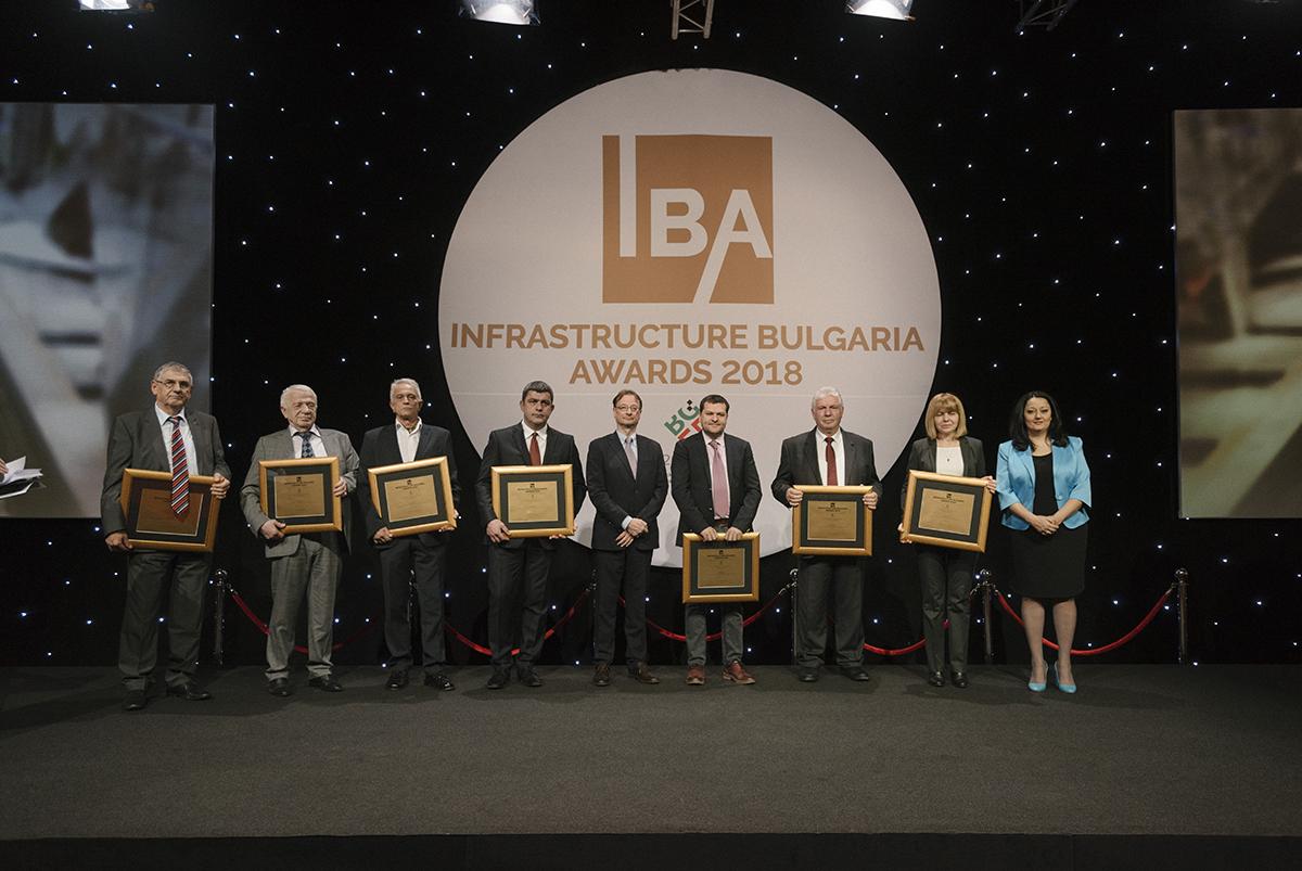 """""""Най-успешен инфраструктурен проект на десетилетието"""" за периода 2007 - 2017 е """"Изграждането и развитие на Софийското метро"""". Проектът бе излъчен на специалното издание на инициативата """"Infrastructure Bulgaria Awards 2018"""", част от календара на събитията на Българското председателство на Съвета на ЕС 2018, което се проведе на 20 март. Призът обяви и връчи министърът за българското председателство на Съвета на ЕС 2018 Лиляна Павлова"""