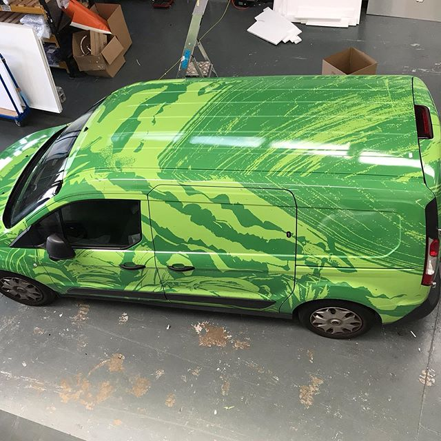 #bowlesandwyer addition! Another printed wrap #3m using IJ1080 wrap printed using latex inks for that vivid finish! #vehiclewrap #vehiclegraphics #manorsigns