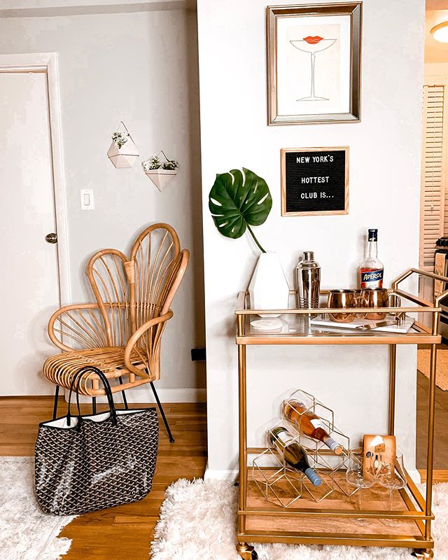New York's hottest club is ... my apartment ⚡️ shop my bar cart set up (and my new chair that I'm obsessed with) over on the @liketoknow.it app *link in my bio* http://liketk.it/2Eaes #liketkit @liketoknow.it.home #LTKhome