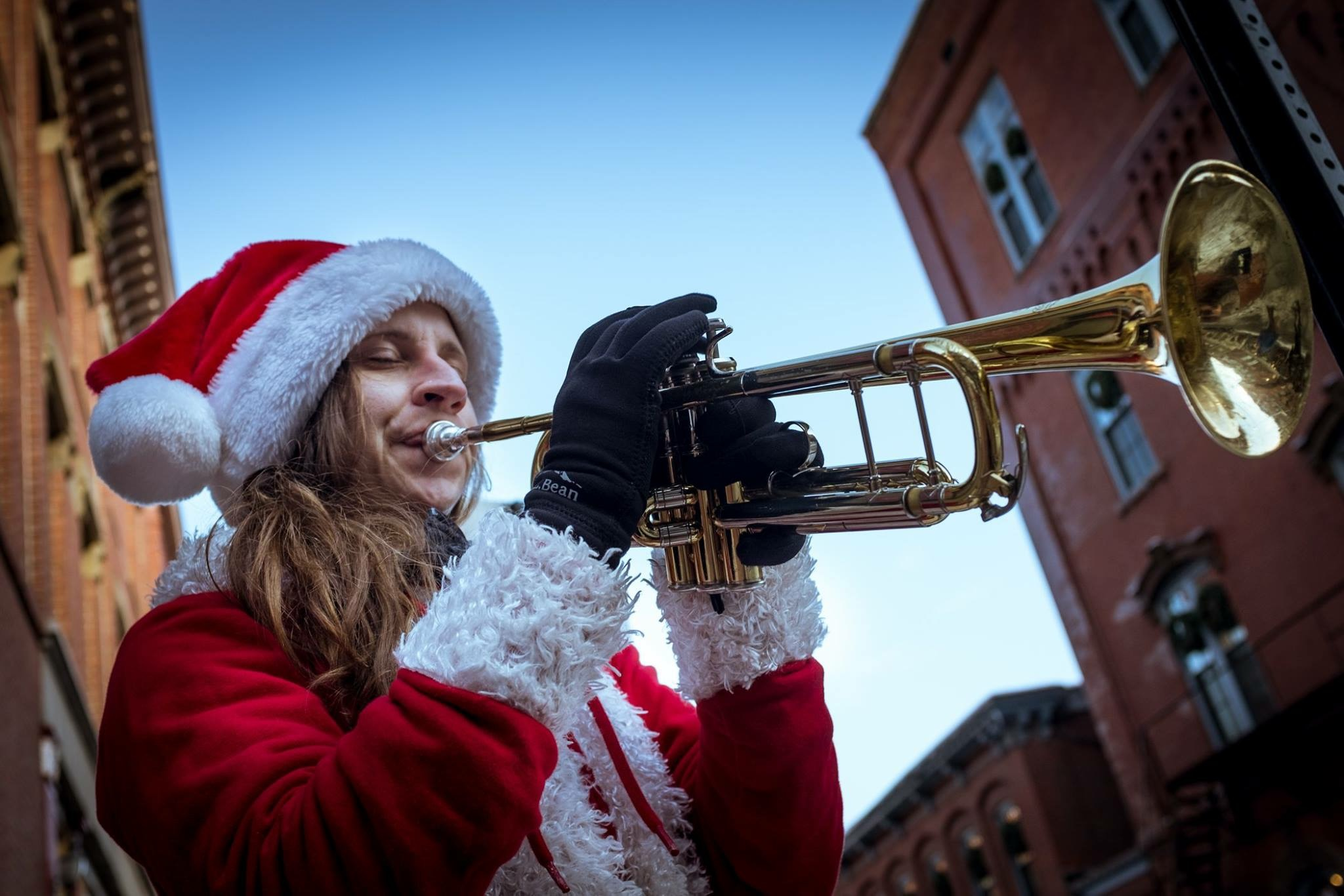 Photo by Troy Bennett, Busking at Christmas time