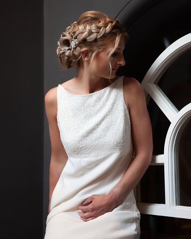 Stunning wedding hair by @gogorgeousbristol styled shoot in collaboration with @moonrise_lingerie at the @avongorgehdv