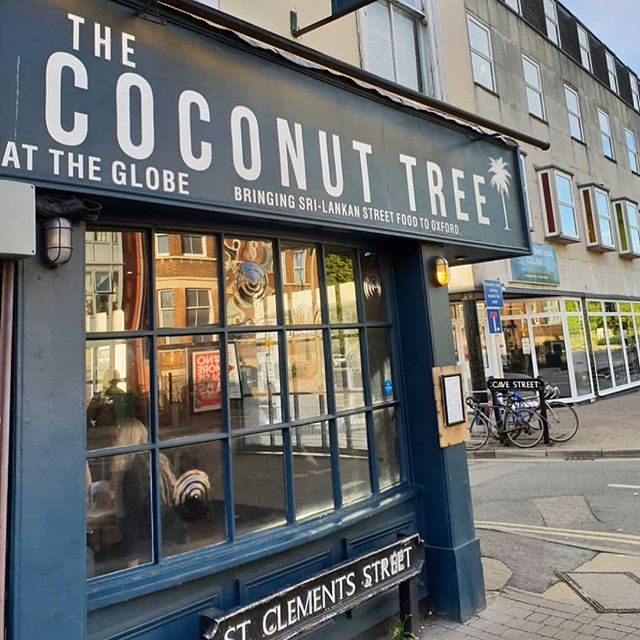 Sunday strolls taking in the beautiful architecture and history of Oxford finishing with a Sri Lankan feast at The Coconut Tree! Sounds like A PLAN!!! 👏🏻 💚🌴 . . . 📷 @andrew_tjioe  #weekend #oxford #oxfordtct #experienceoxford #visitoxford #oxfordcity #stclements #srilankanstreetfood #destinationtct #sundayantics #sundaylunch #foodiescene #loveoxford