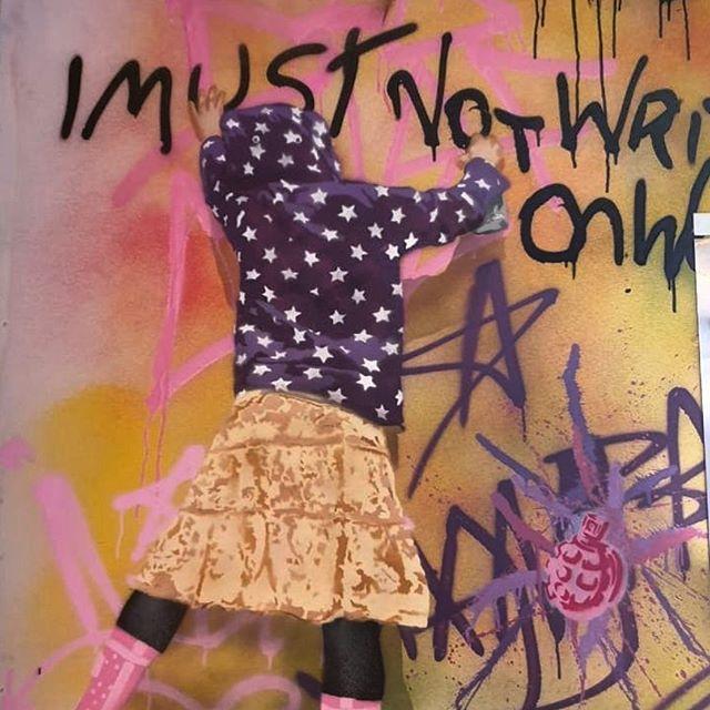 Sunday street vibes...✌🏽🎨 👧🏽 . . . 📷 @ainokash  #streetart #graffiti #sundayvibes #bristol #bristolgrafitti #bristolcliftontriangle #foodiescene #visitbristol #imustnotwriteonwalls